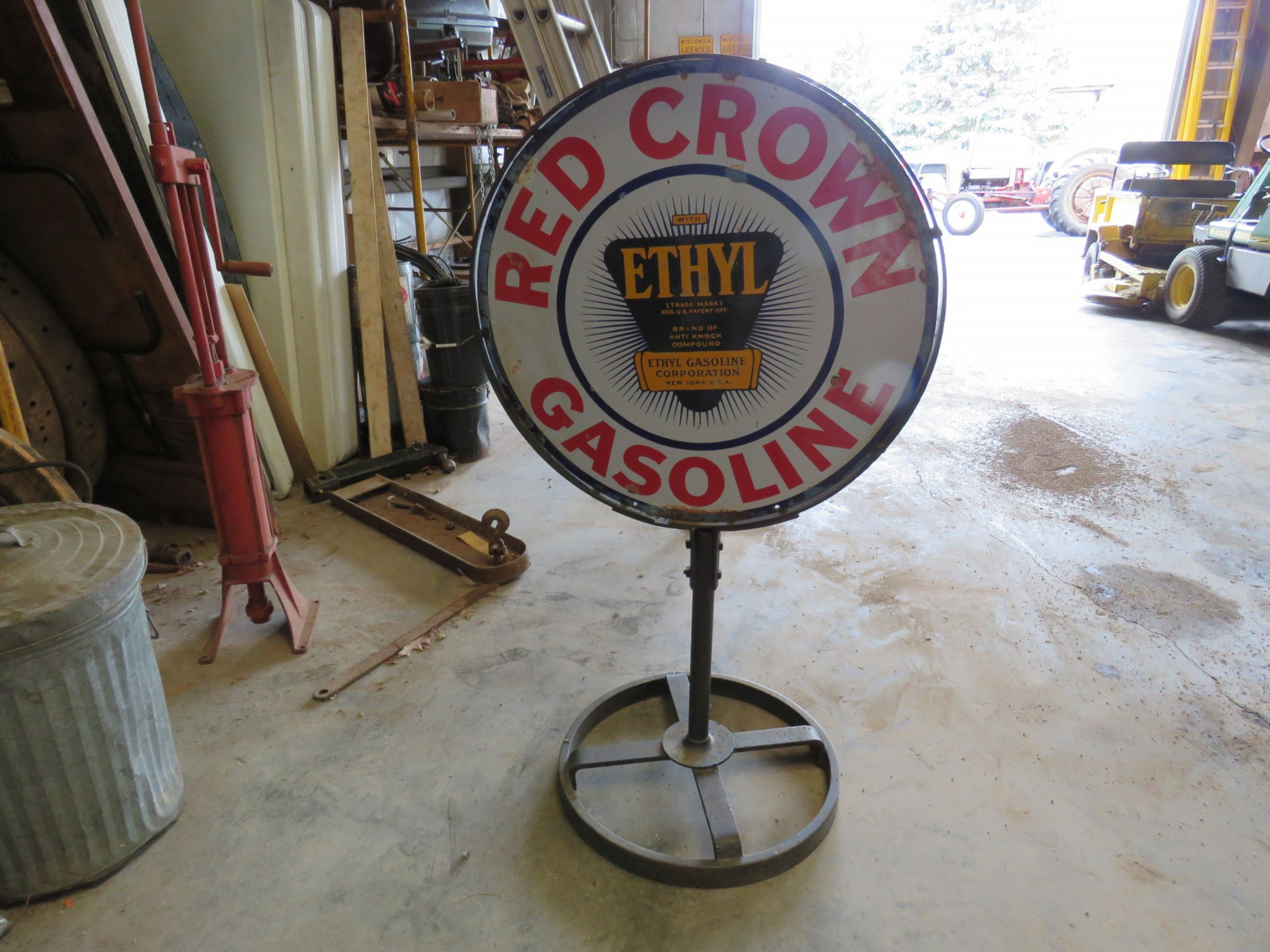 Red Crown DS Porcelain Sign on Stand - Image 4
