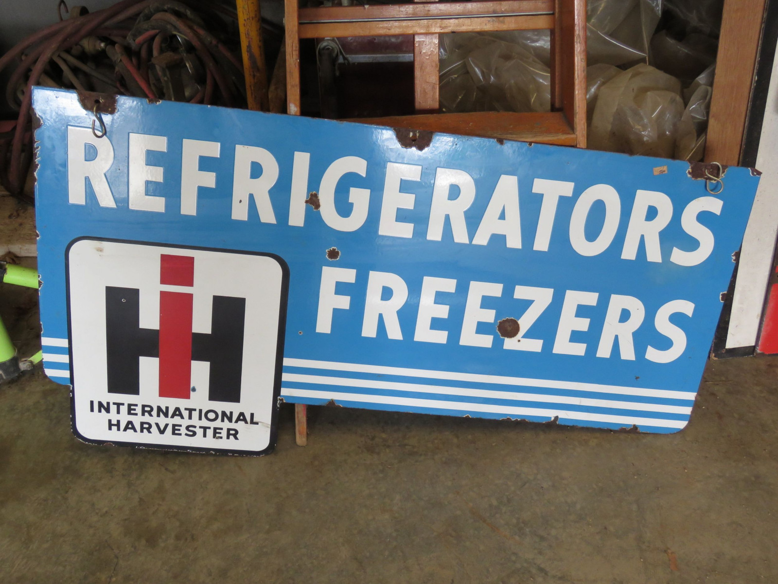 International Refrigerators Porcelain Sign - Image 3