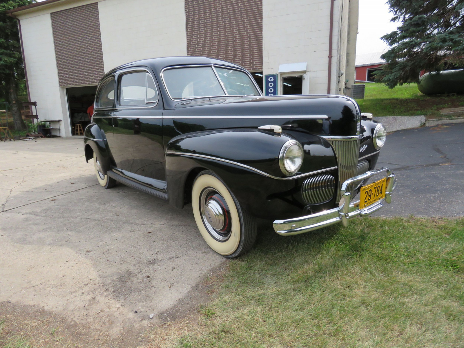 1941 Ford Super Deluxe Tudor Sedan - Image 3