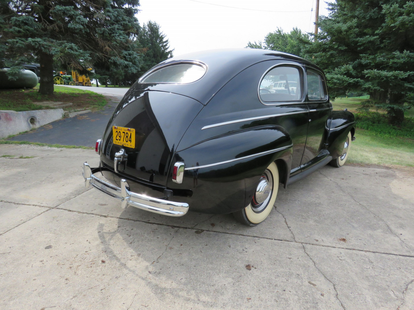 1941 Ford Super Deluxe Tudor Sedan - Image 4