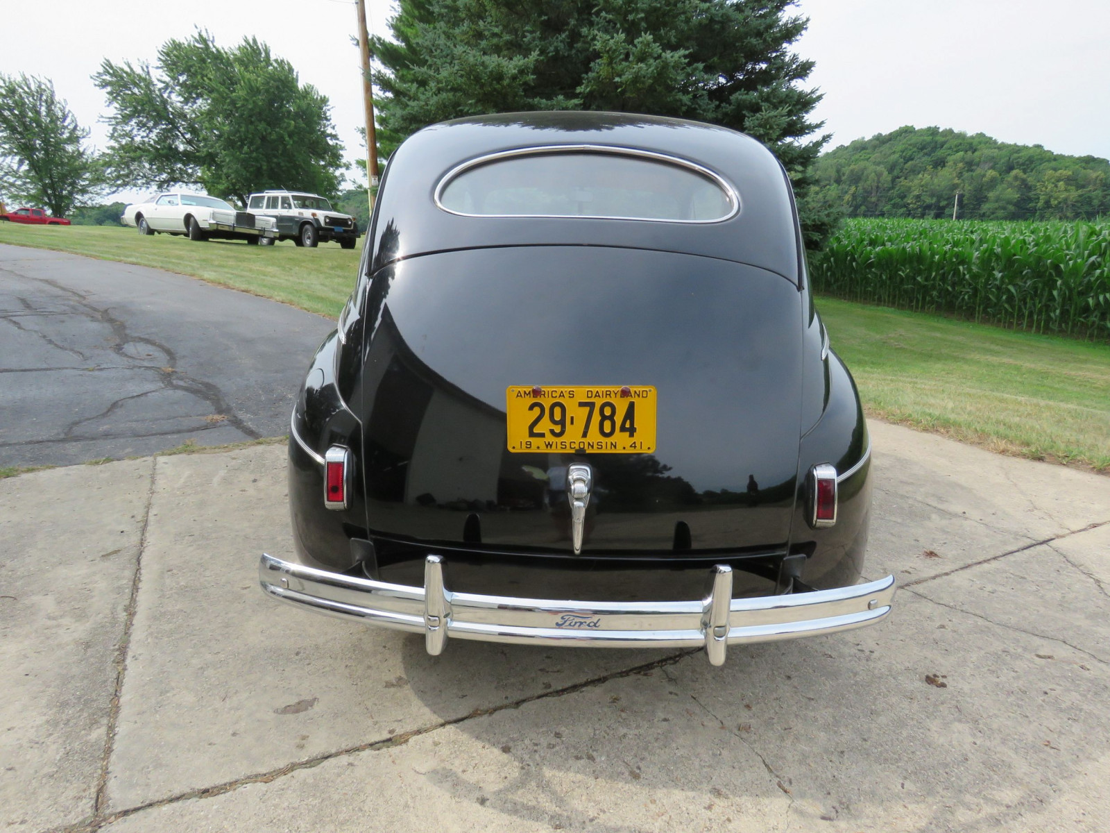 1941 Ford Super Deluxe Tudor Sedan - Image 5