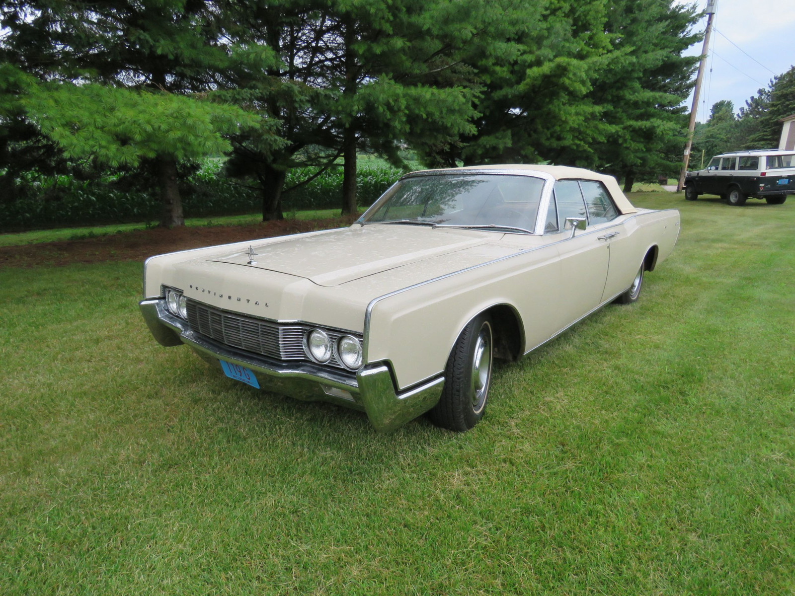 1967 Lincoln Continental 4dr Suicide Convertible - Image 2