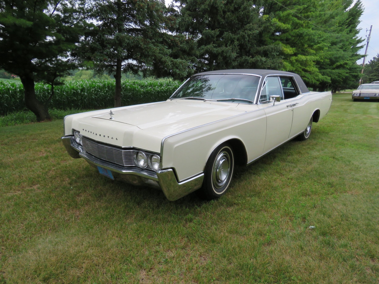 1967 Lincoln Continental 4dr HT Suicide Sedan - Image 1