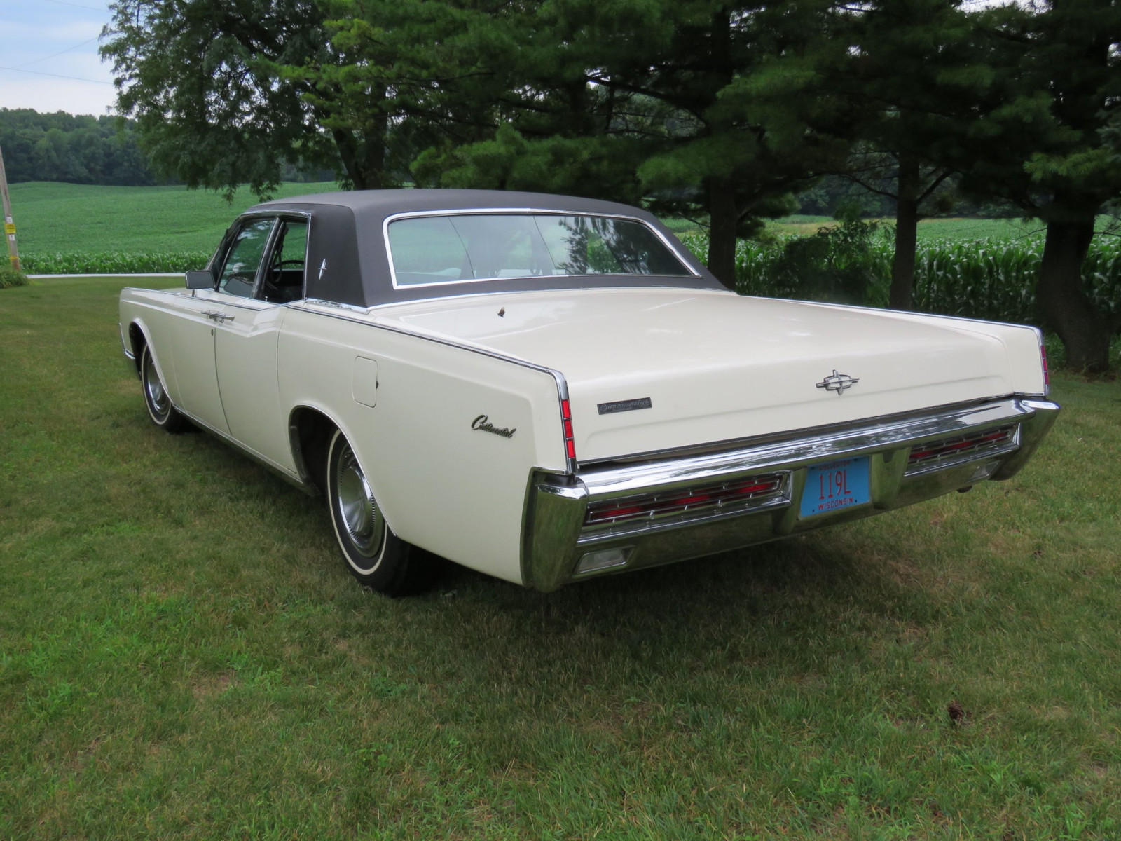 1967 Lincoln Continental 4dr HT Suicide Sedan - Image 7