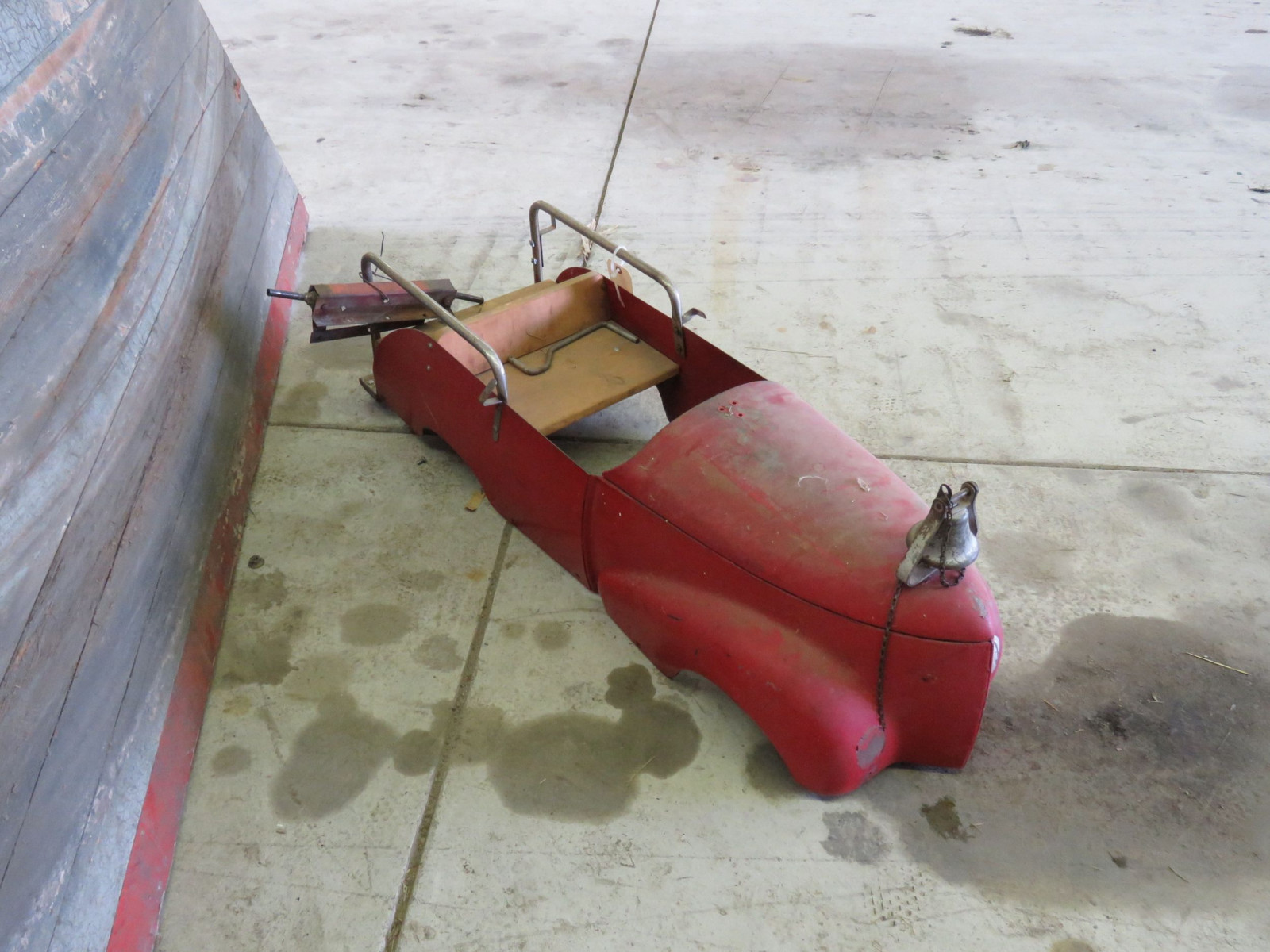 Vintage Pedal Car Body for Restore - Image 2
