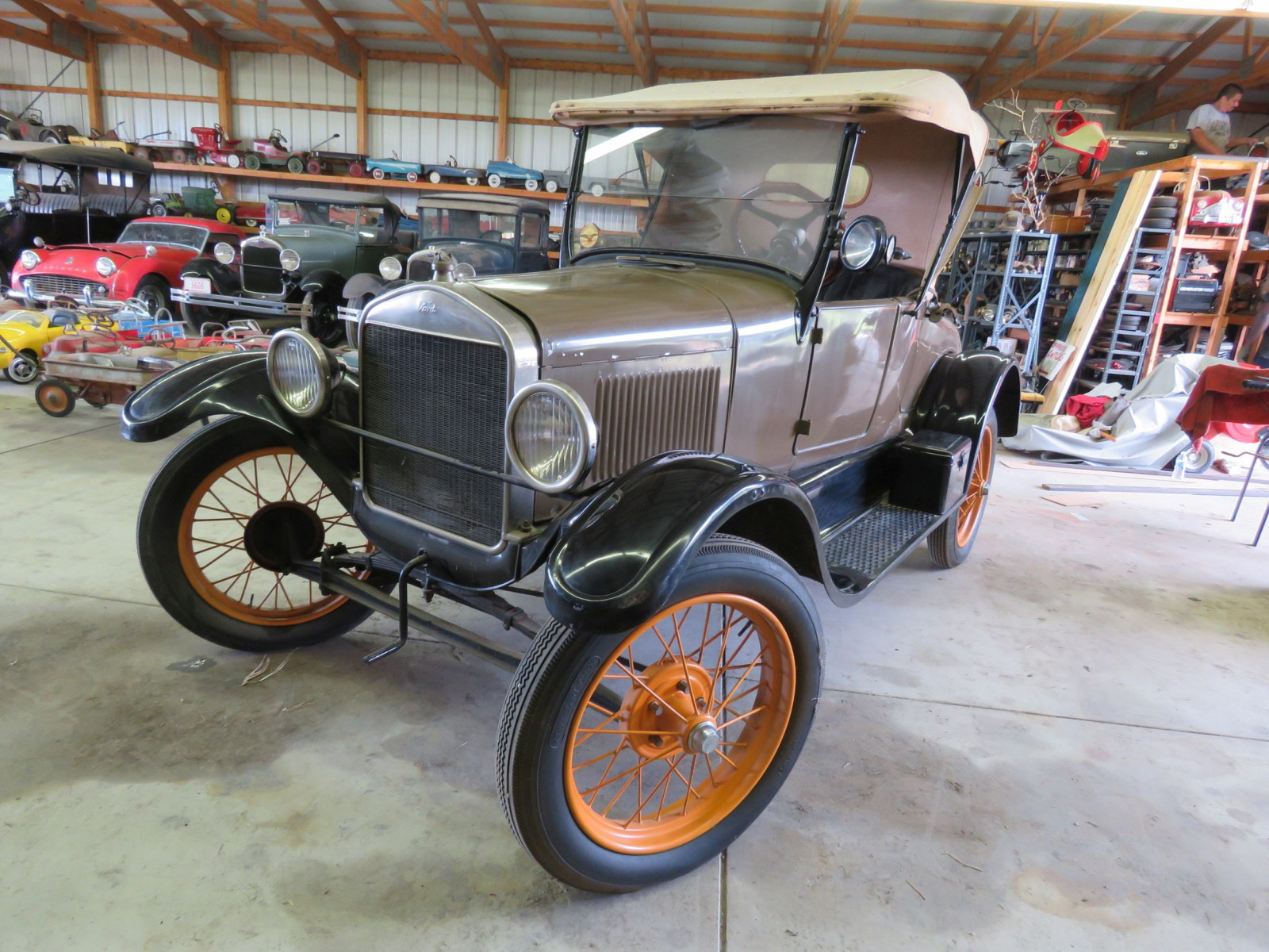 1927 Ford Model T Roadster - Image 3