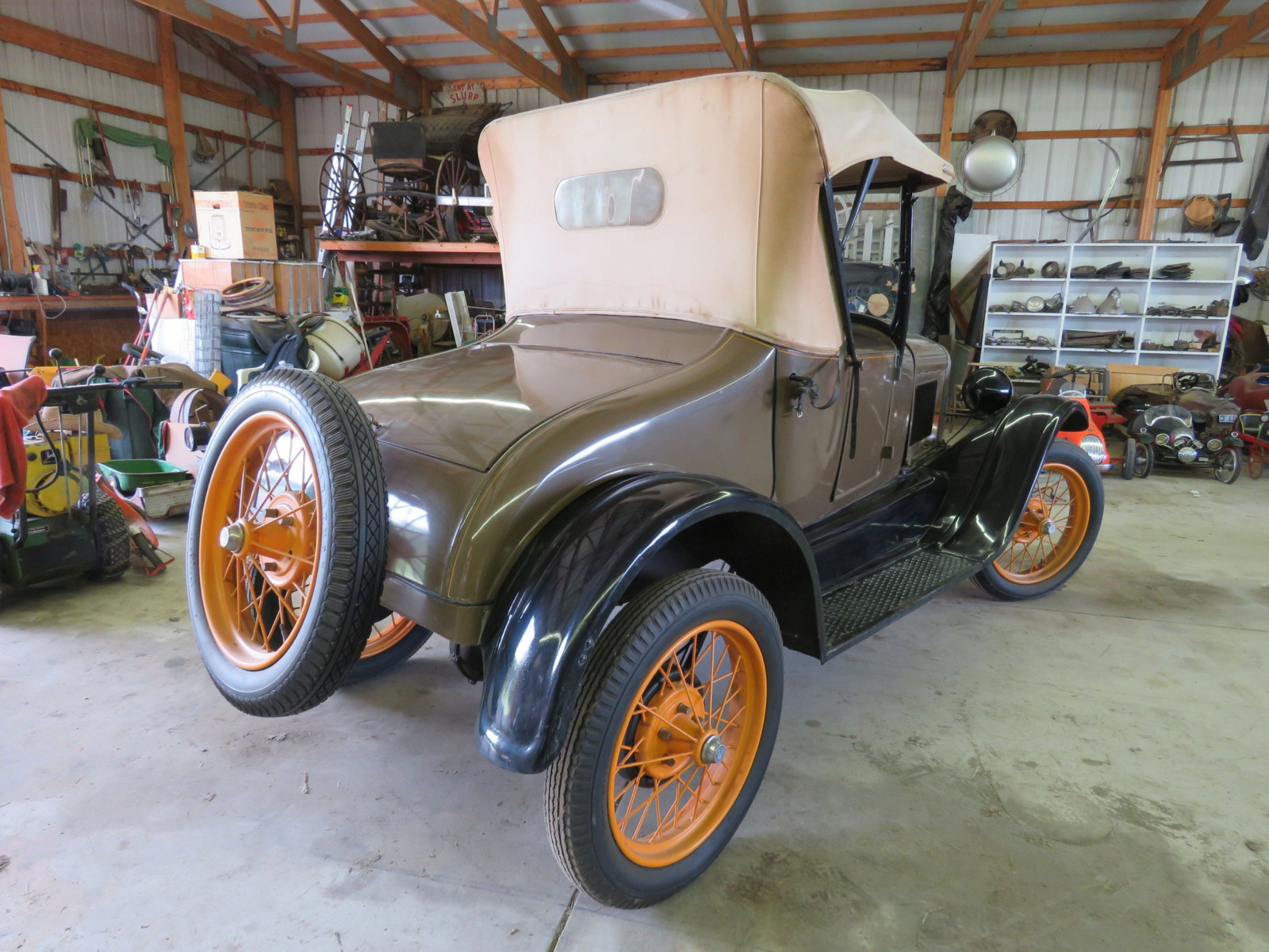 1927 Ford Model T Roadster - Image 4