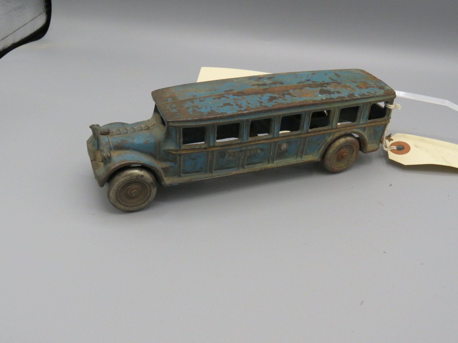 Vintage Cast Iron Bus @1926 Approx.. 10 inches - Image 2