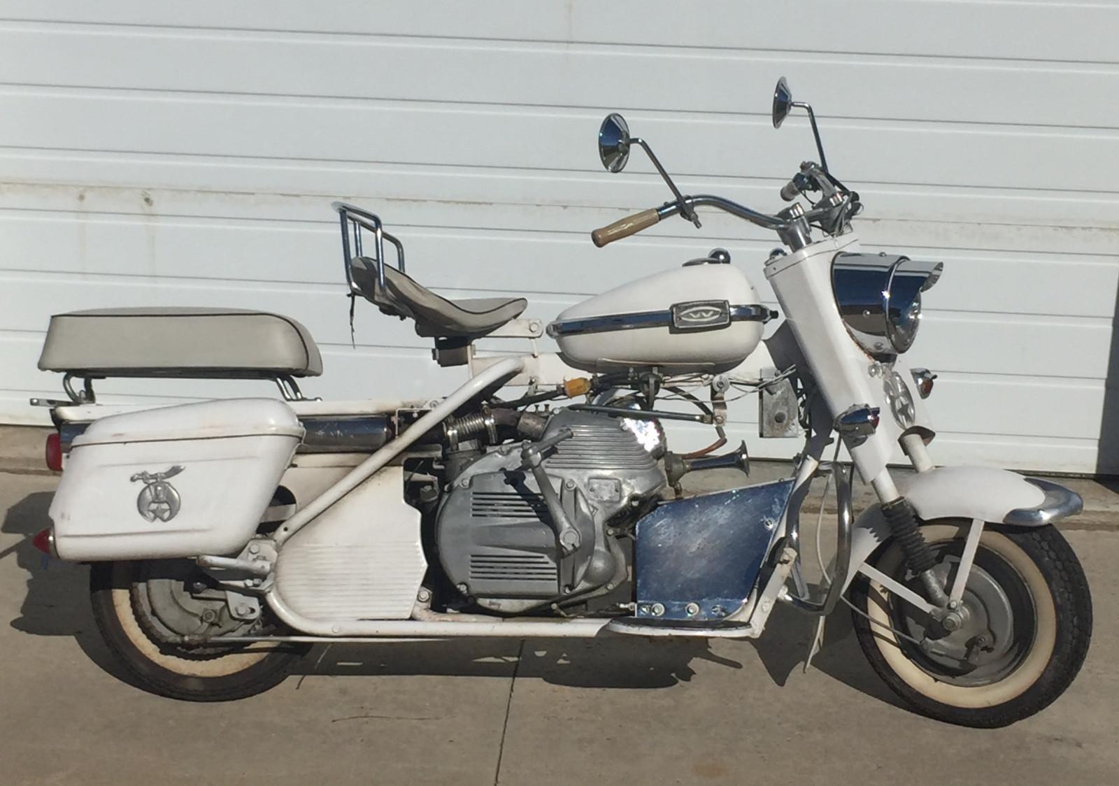 Lot 17dd Rare 1966 Cushman Super Silver Eagle Scooter