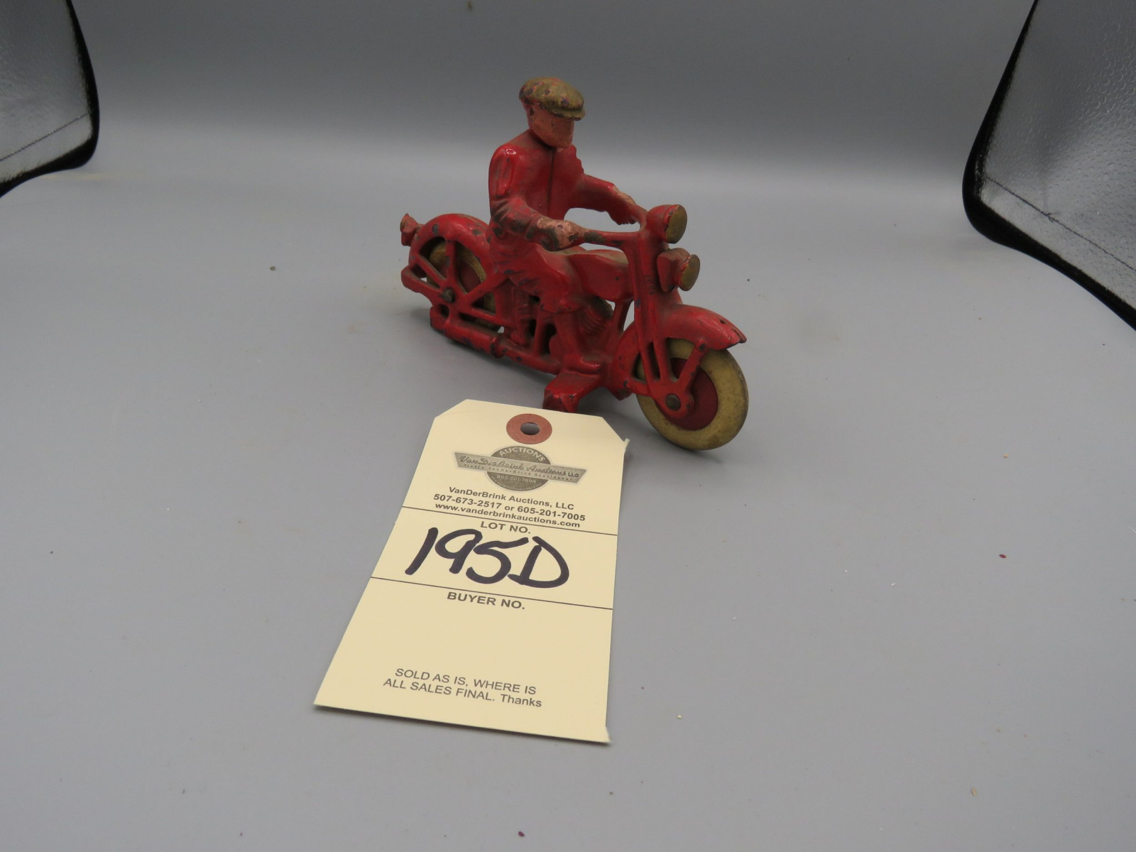 Hubley Motorcycle Cast Iron with Civilian Rider with Rubber Wheels Approx. 6 1/4 inches - Image 2