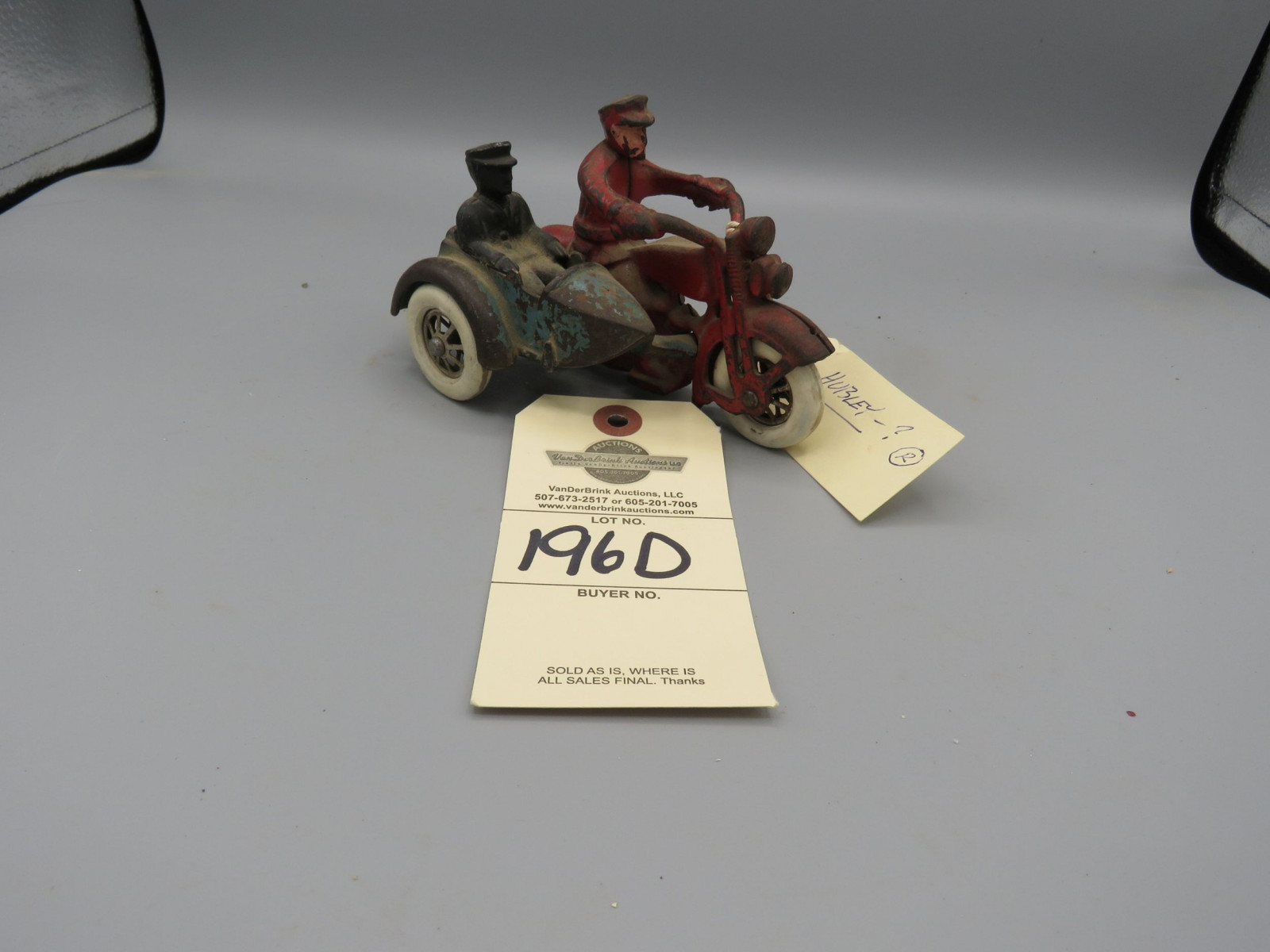 Hubley Cast iron Motorcycle , Harley Davidson with Side Car, 2 Policeman with rubber wheels Approx. 5 1/4 inches - Image 1