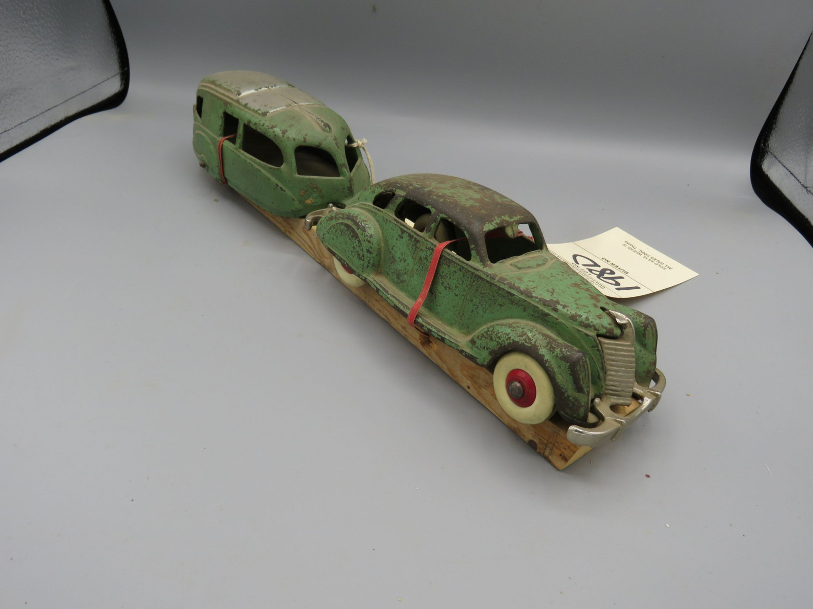 Hubley Cast Iron Car with Camper @1935 Approx. 14 inches - Image 2
