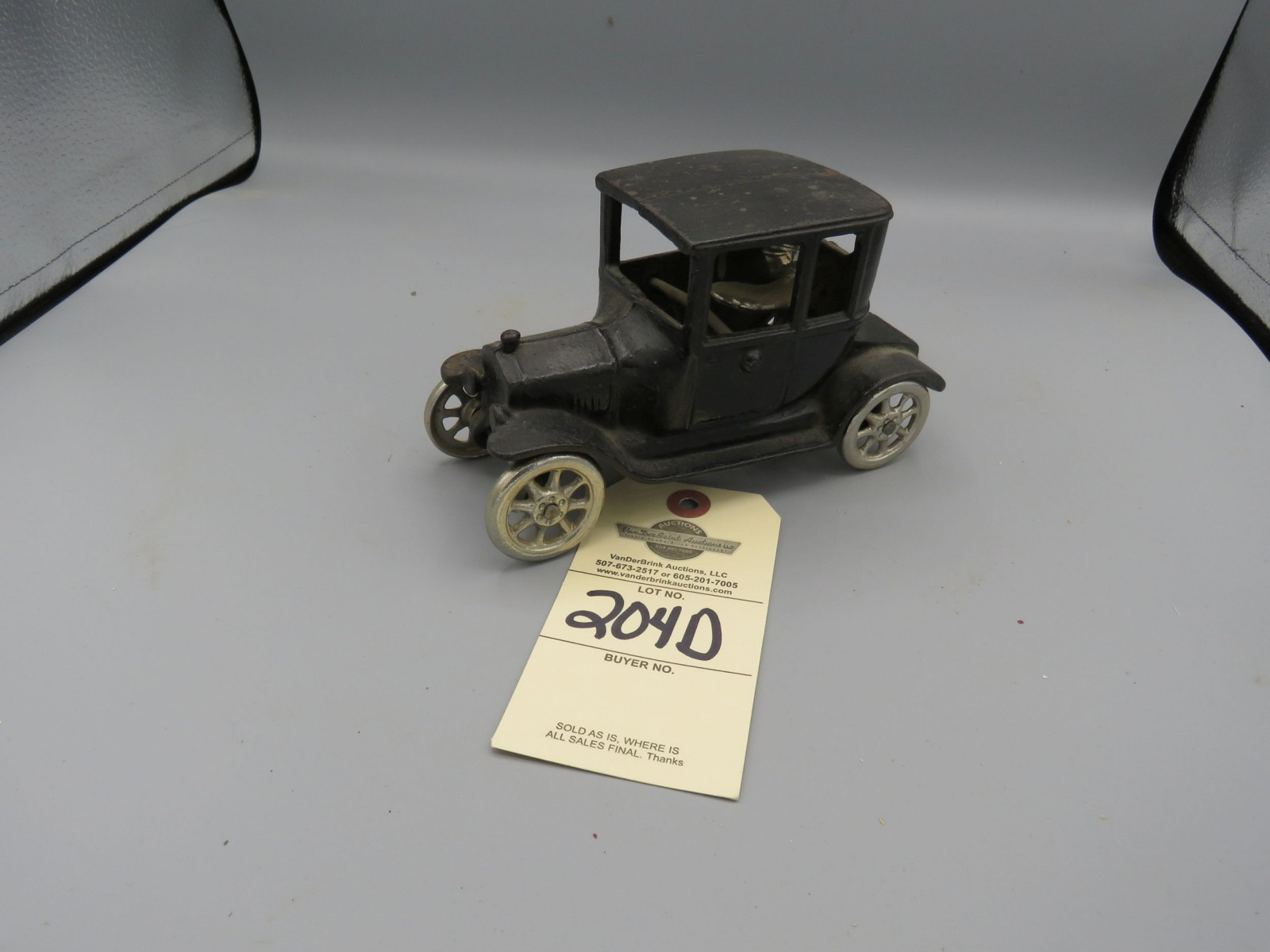 Arcade Cast Iron Ford Model T coupe @1923 Approx. 5 inches - Image 1
