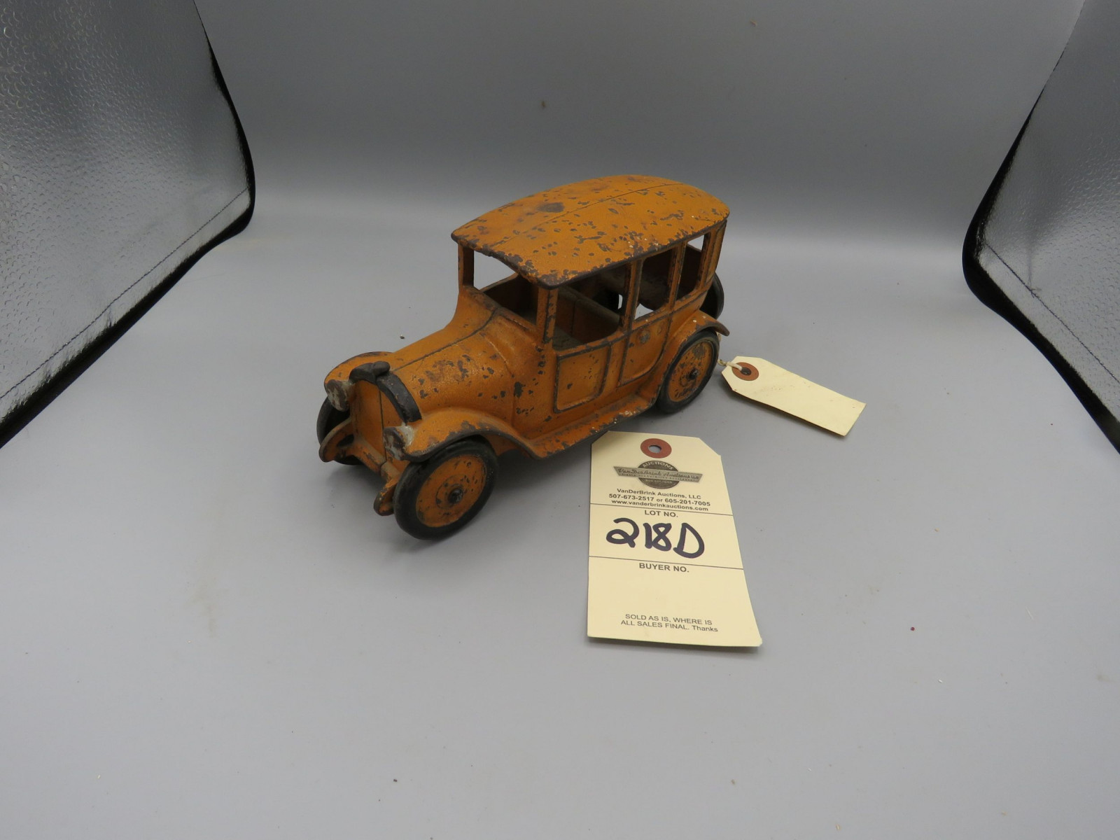 Arcade Cast iron Sedan @1923 Approx. 6 inches - Image 1