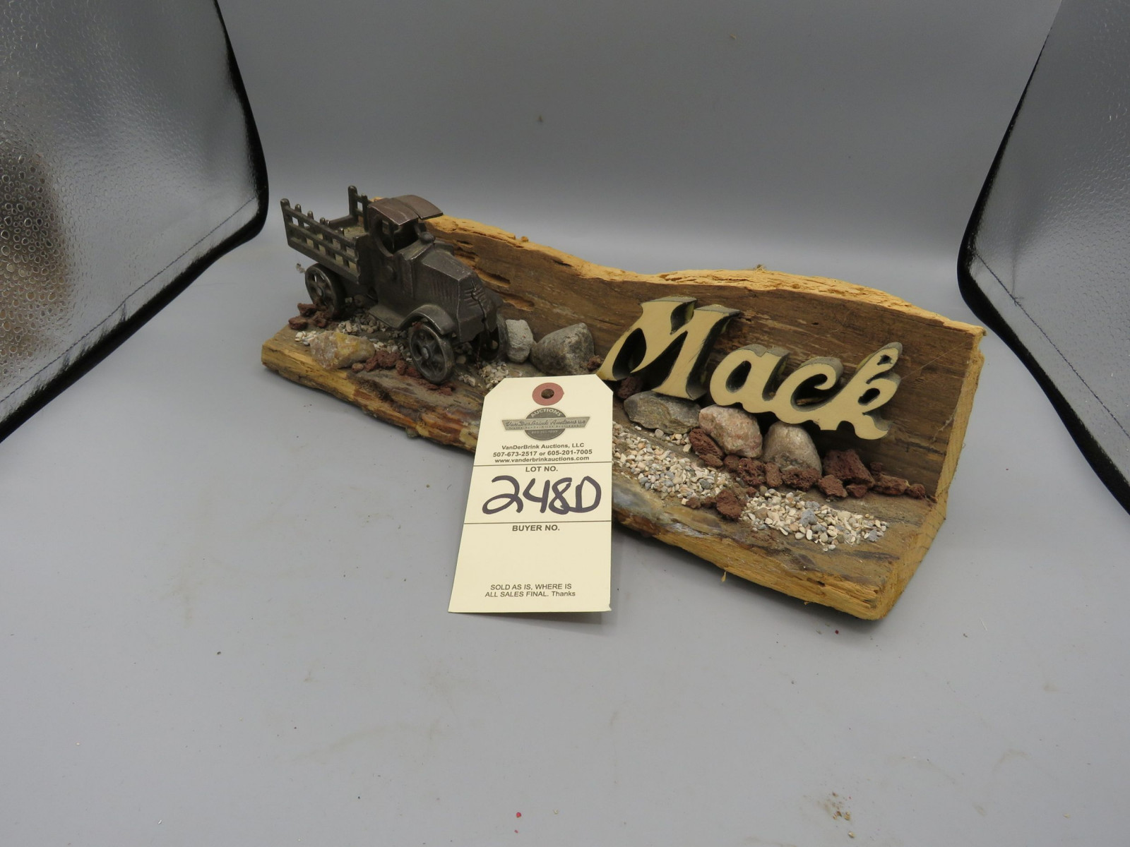 Cast Iron Bull Dog Mack Toy Signs - Image 1