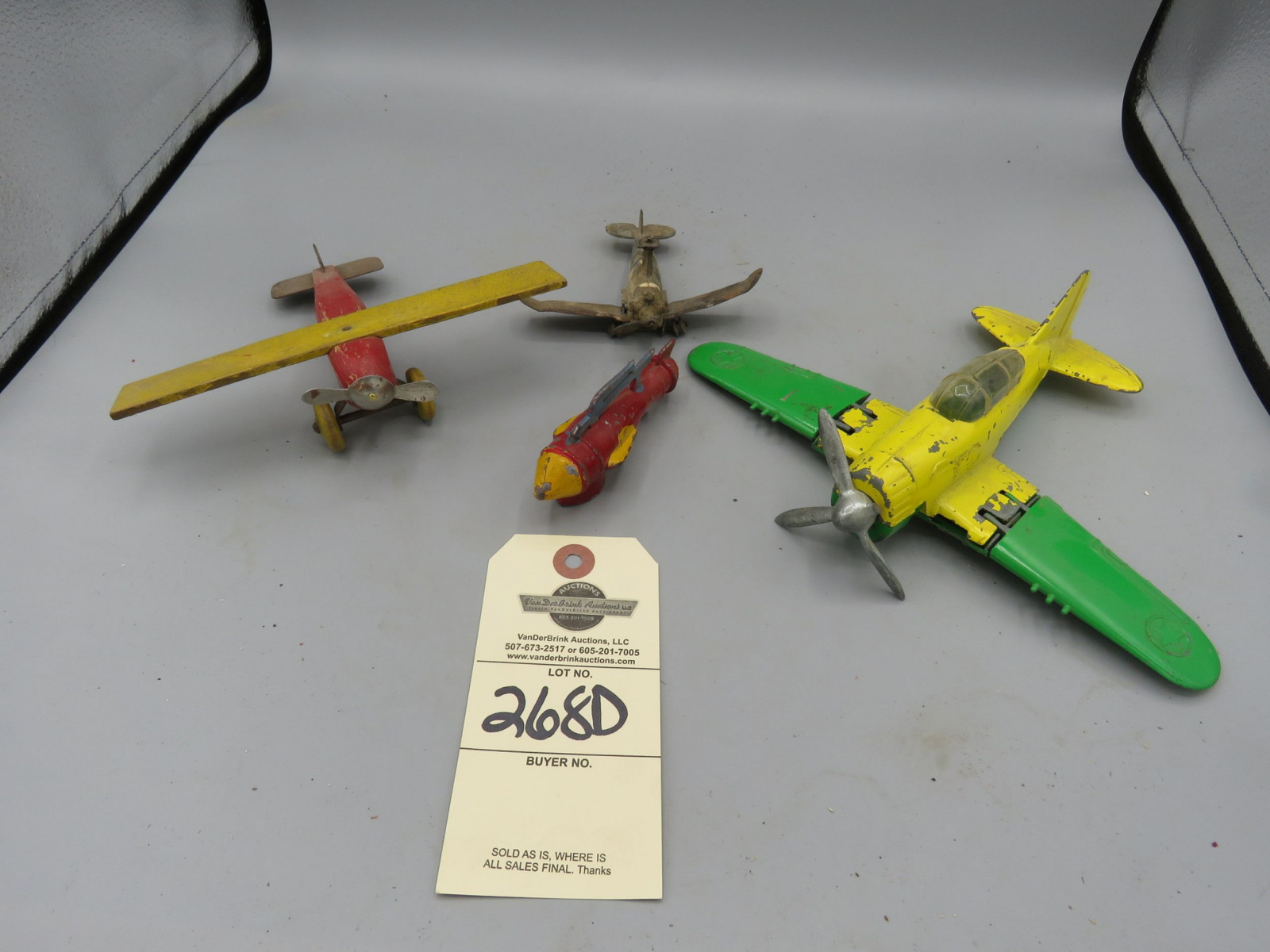 Die Cast Airplane Grouping - Image 1