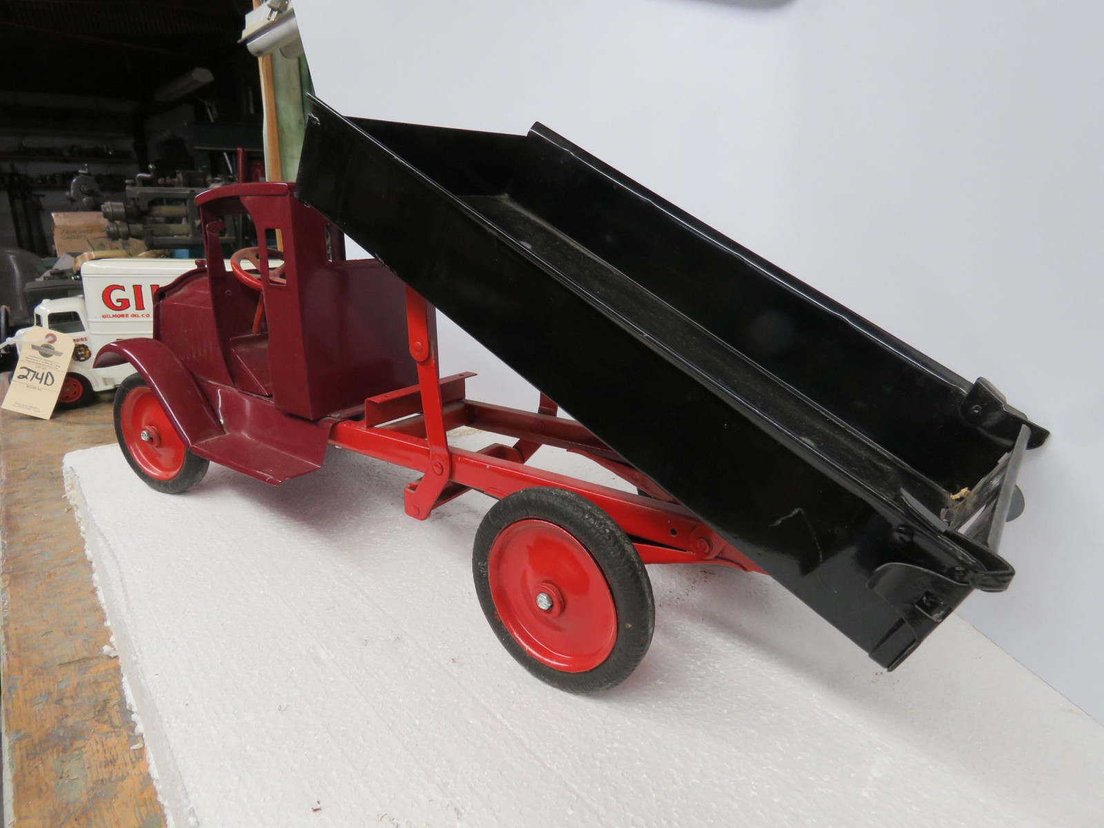 Buddy L Pressed Tin Truck and Trailer Gilmore Oil - Image 3