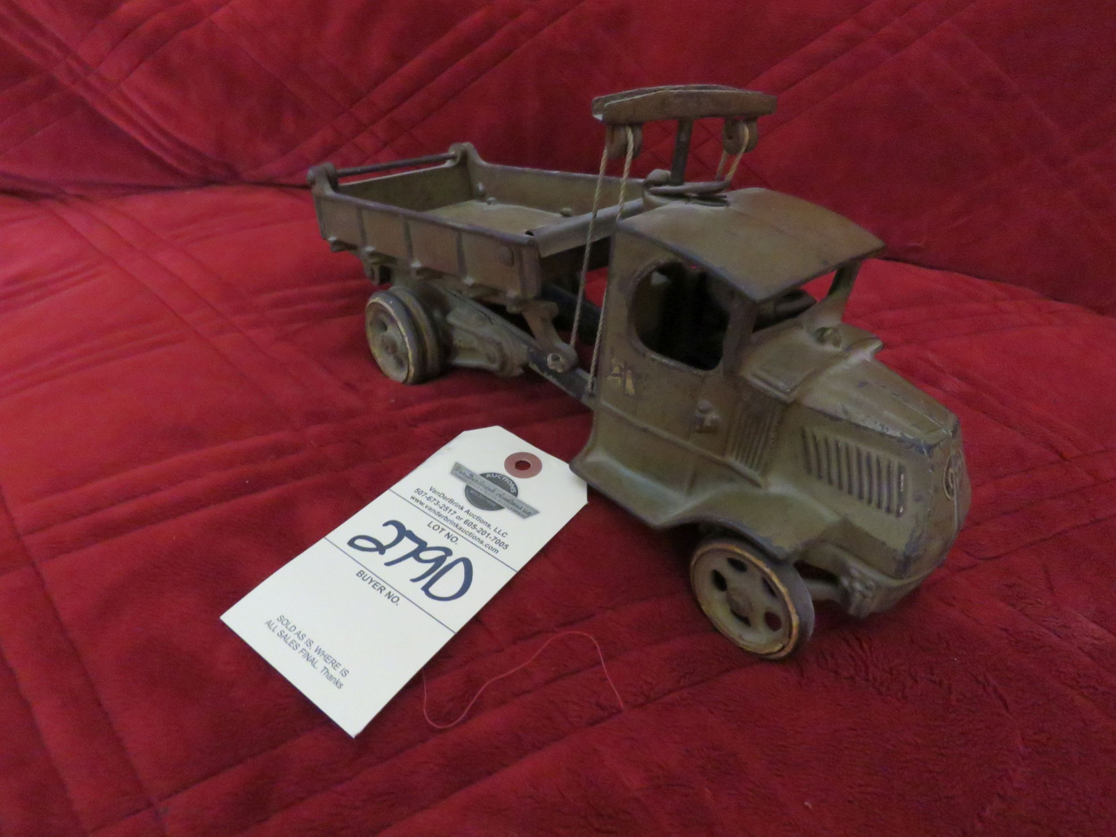 Arcade Cast Iron Mack Bulldog Truck- Large - Image 2