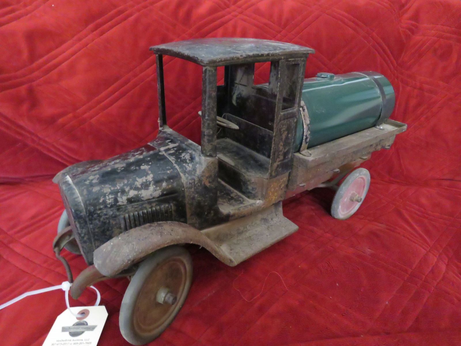 Buddy L Cast Iron Tanker Truck- Large - Image 1
