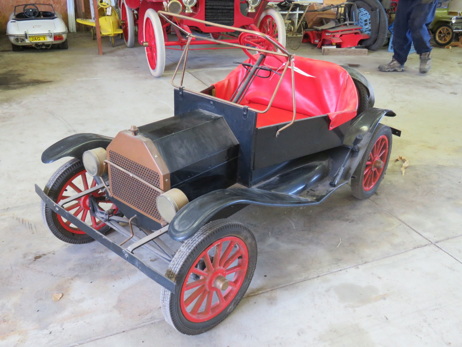 Ford Model T Touring Car Gas Powered Child's or Shriner Car - Image 3