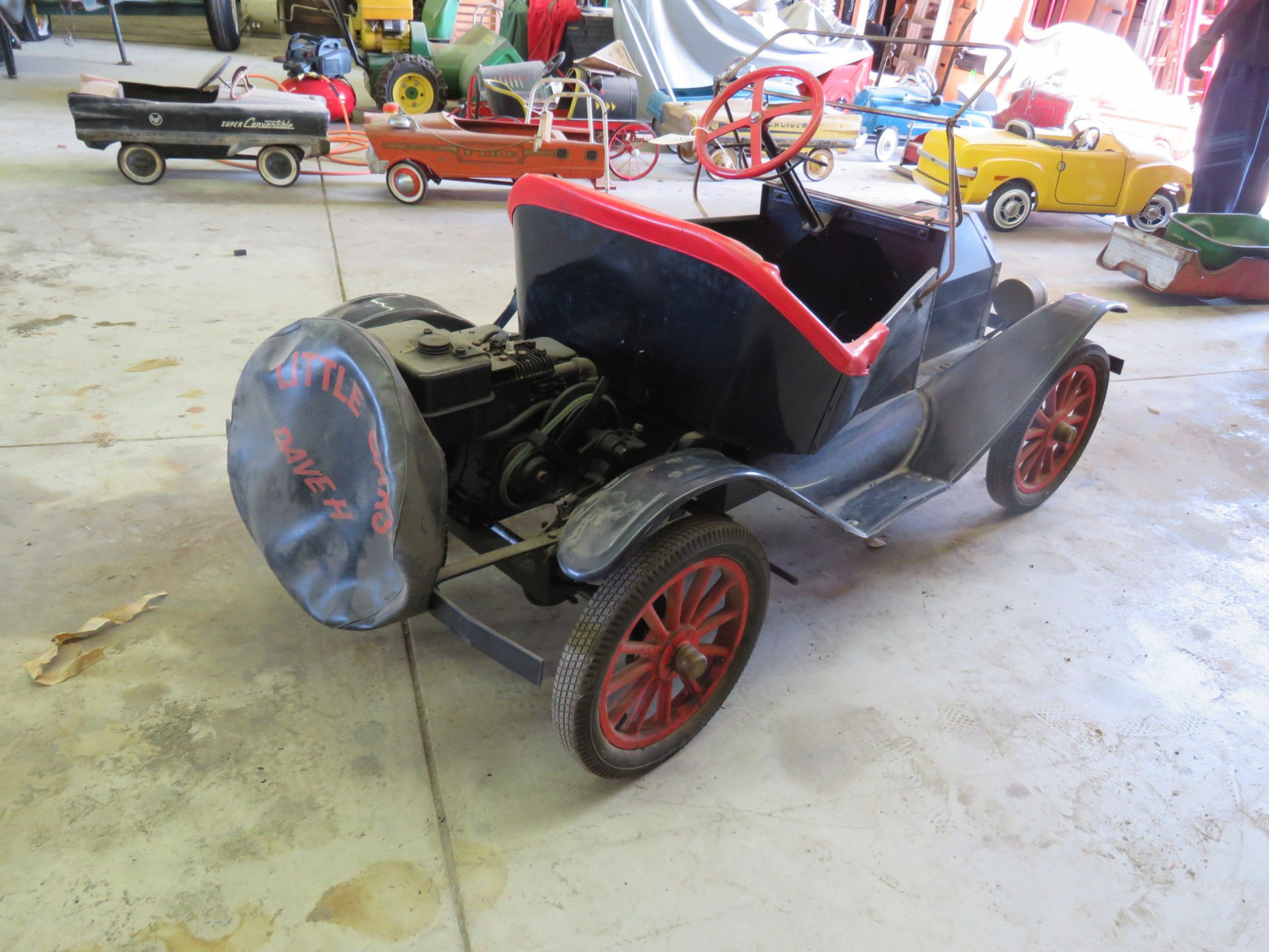 Ford Model T Touring Car Gas Powered Child's or Shriner Car - Image 4
