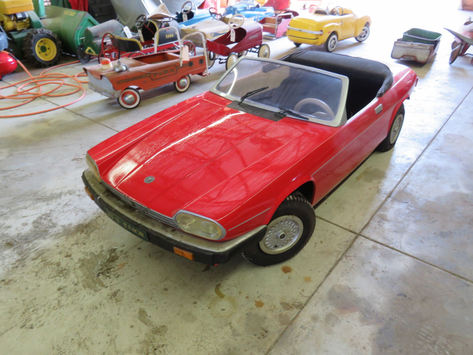 Jaguar XJS V12 Children's Car - Image 1