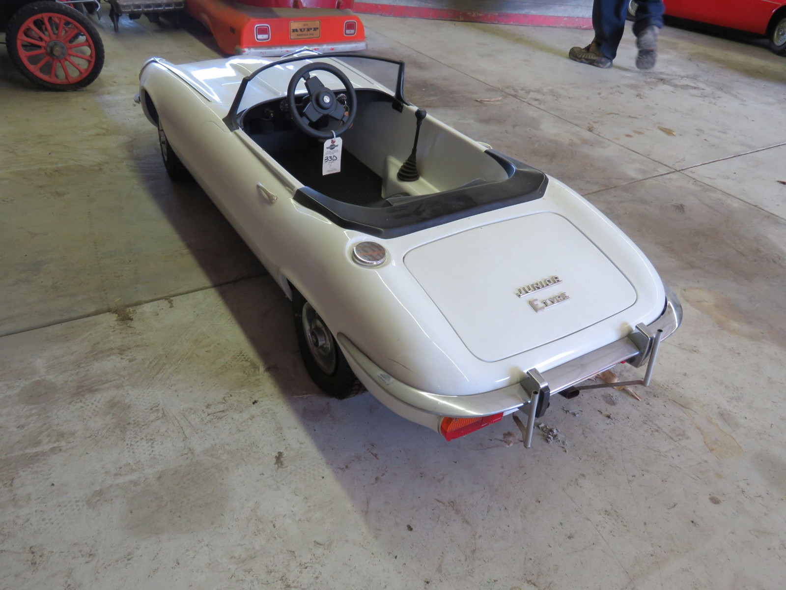 Jaguar E type Roadster Children's Dealer Car - Image 4