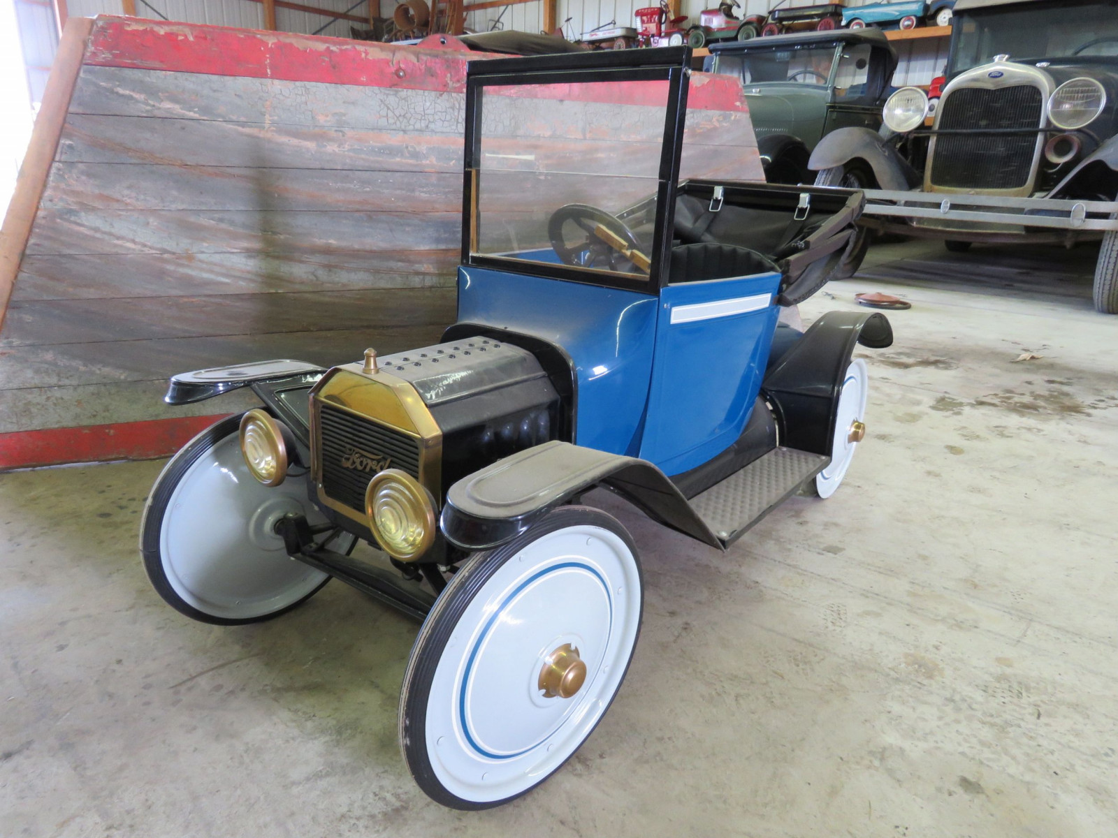 Ford Model T Roadster Pedal Car - Image 2