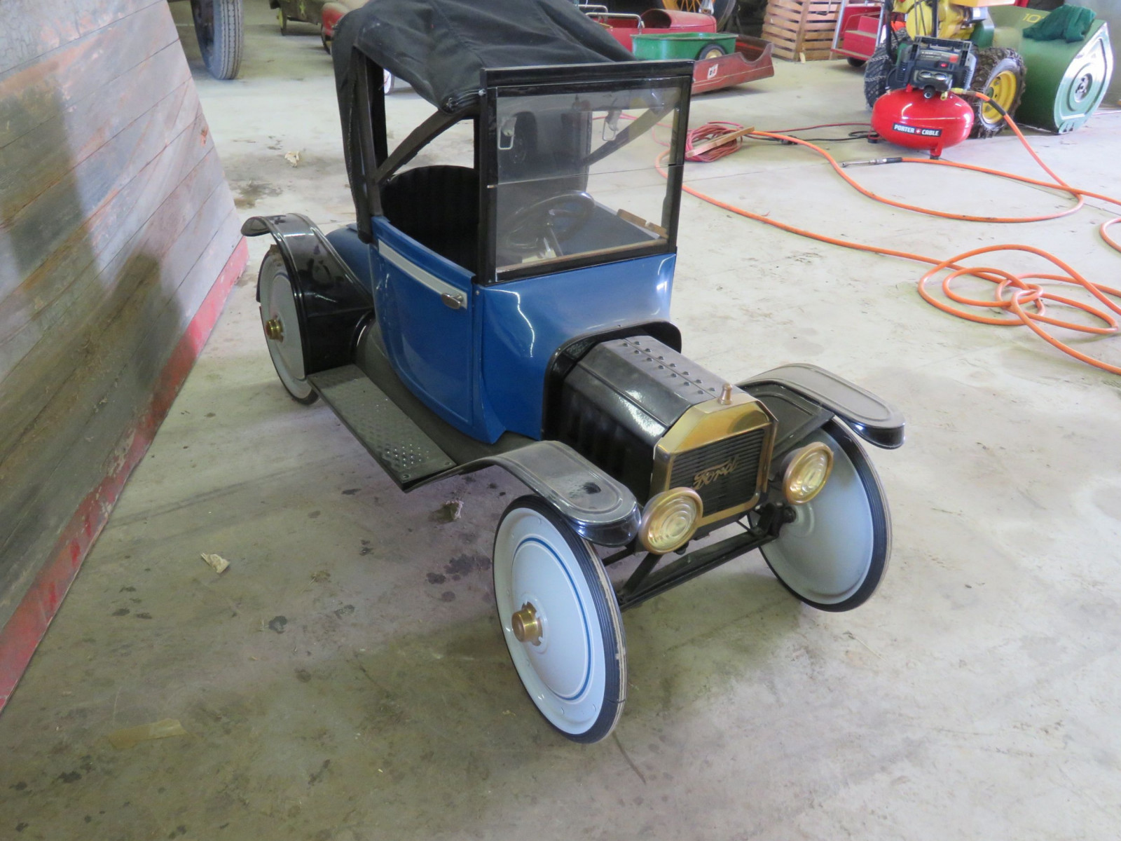 Ford Model T Roadster Pedal Car - Image 3