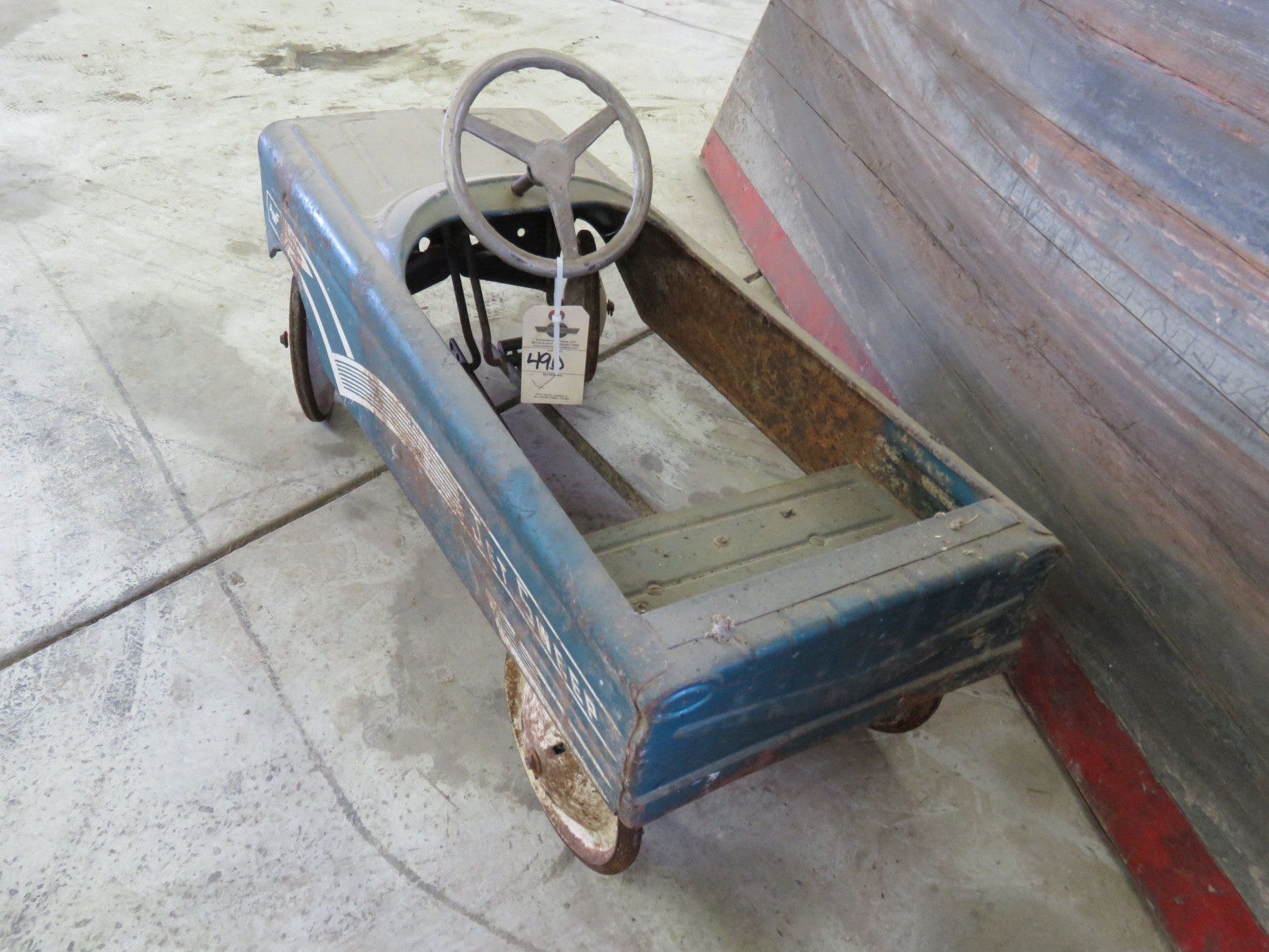 AMF Jet Sweep Vintage Pedal Car - Image 3