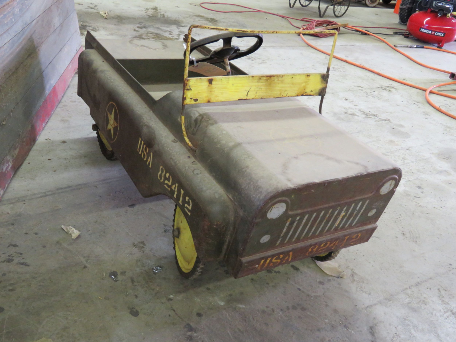Vintage Garton Military Jeep Pedal Car for restore - Image 3