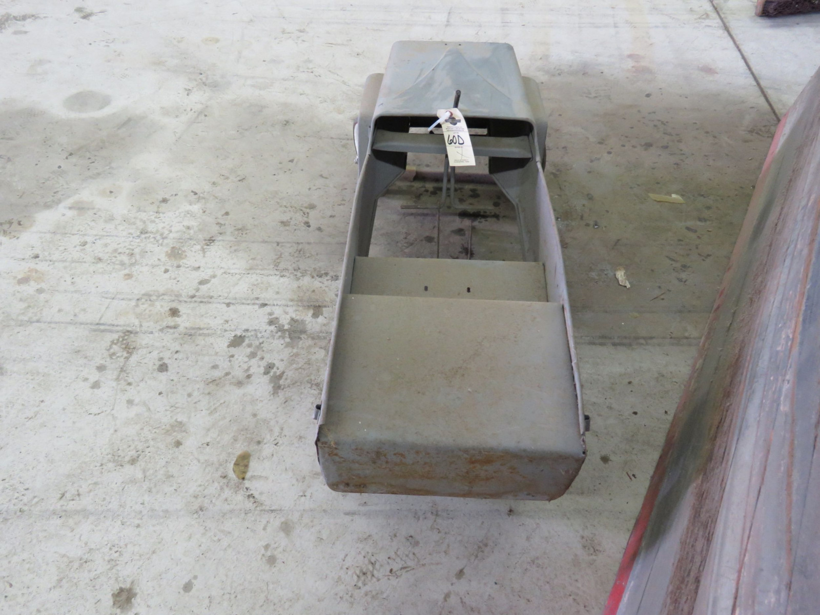 Vintage Garton Military Willys Jeep Pedal Car for restore - Image 4