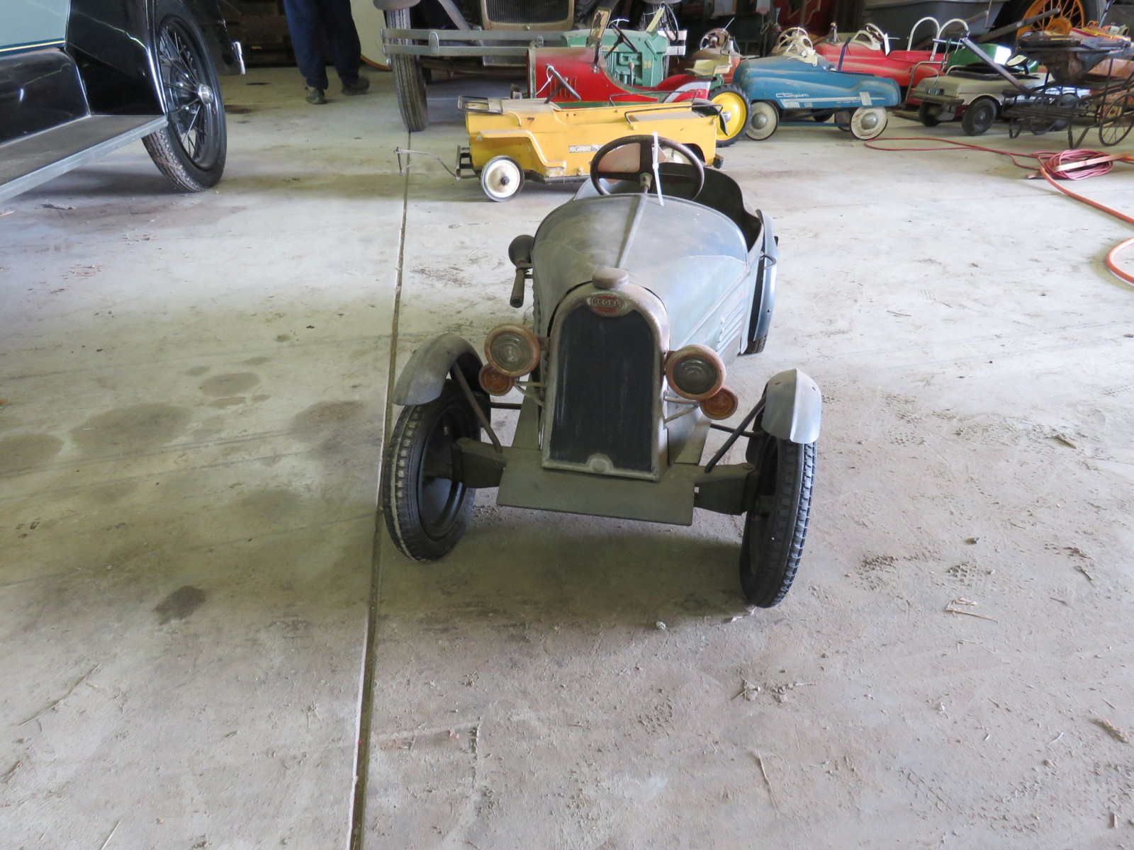 Vintage Regal Cycles Roadster Pedal Car - Image 2