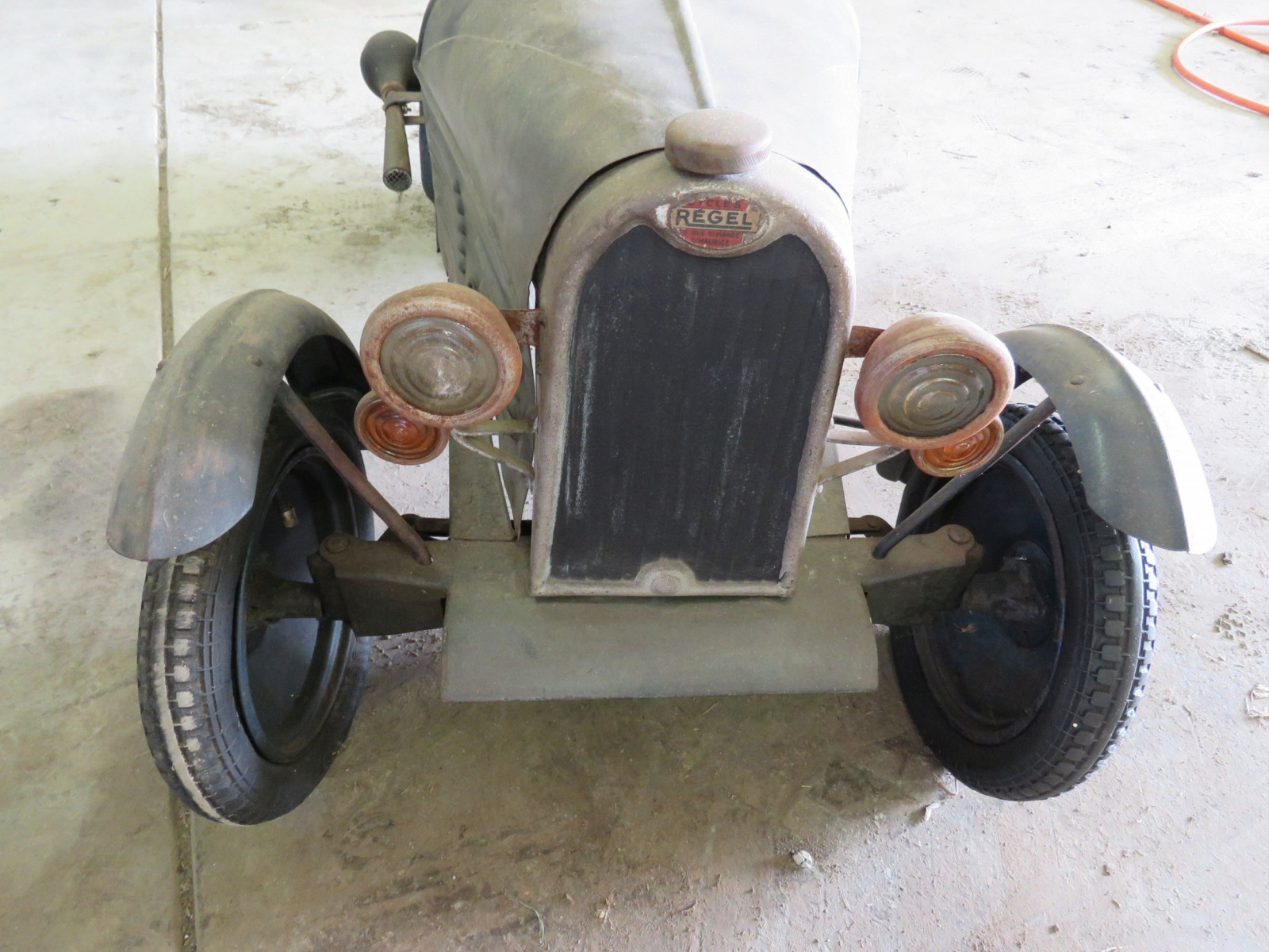 Vintage Regal Cycles Roadster Pedal Car - Image 4