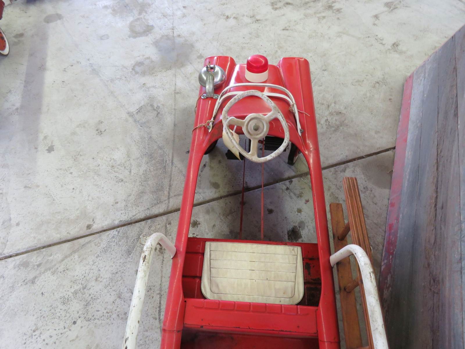 1955 Murray Station Wagon Pedal Car - Image 4