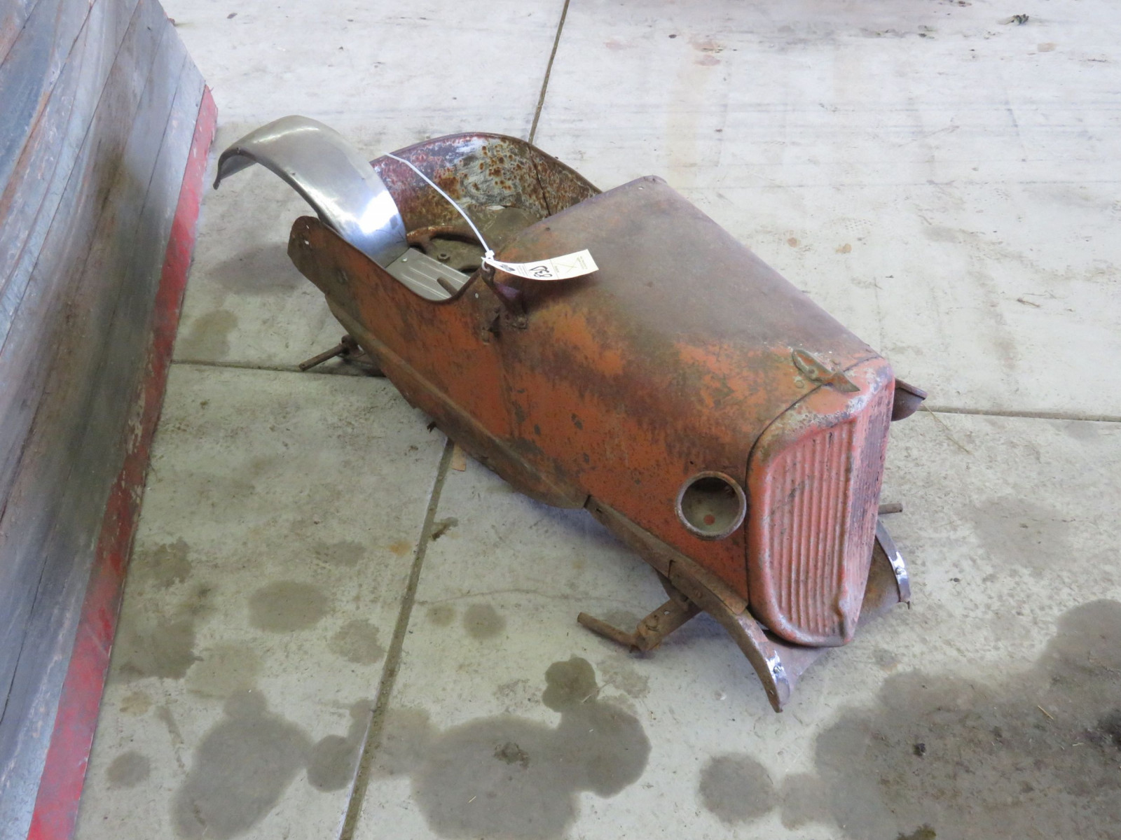 Steel craft Vintage 1933 Ford Pedal Car for Restore - Image 3