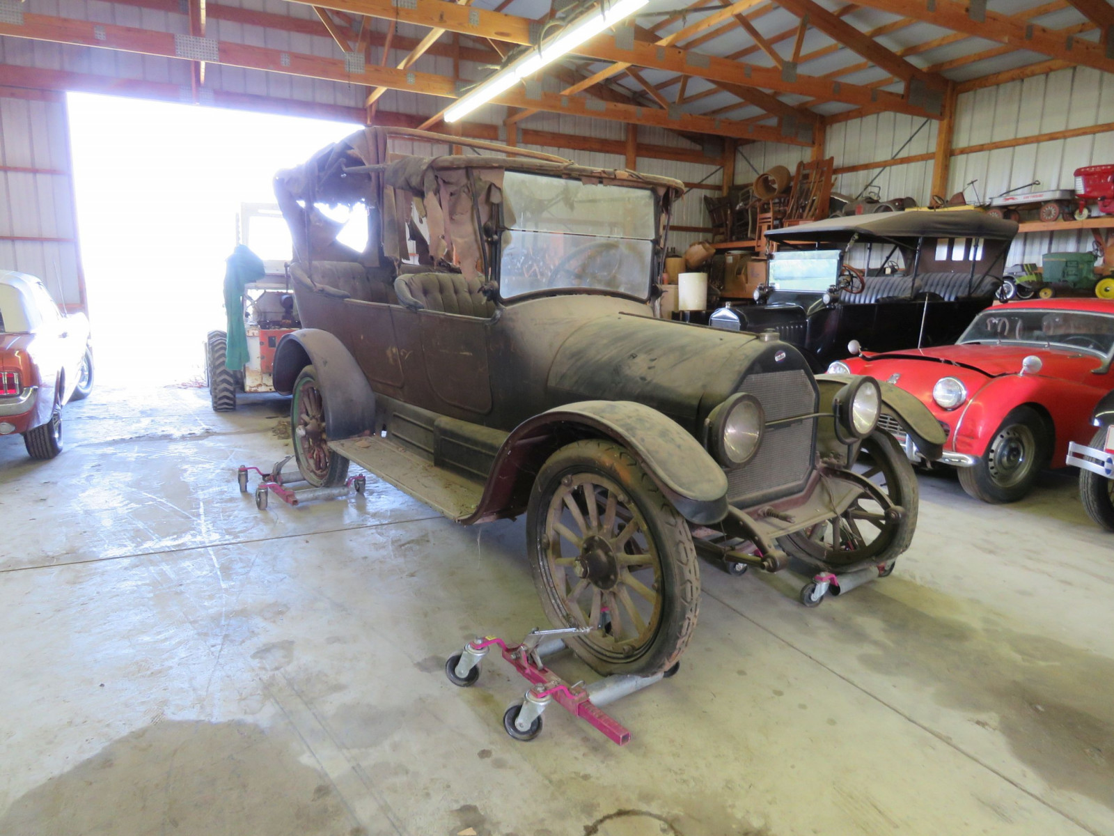 1916 Overland Touring Car - Image 3