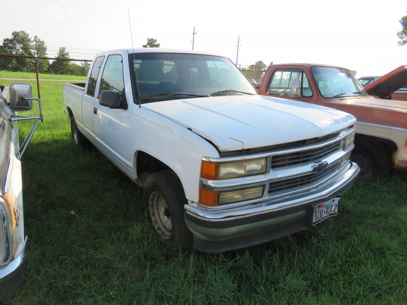 1996 Chevrolet Pickup - Image 2