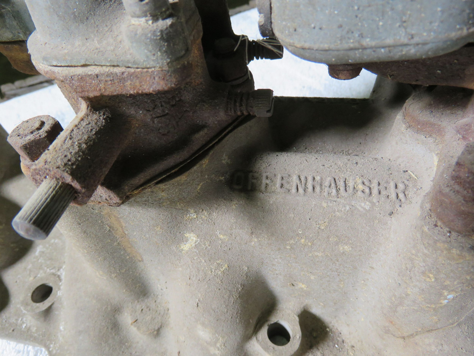 Rare Offenhauser Tri-Power Intake with Ford Carbs - Image 3