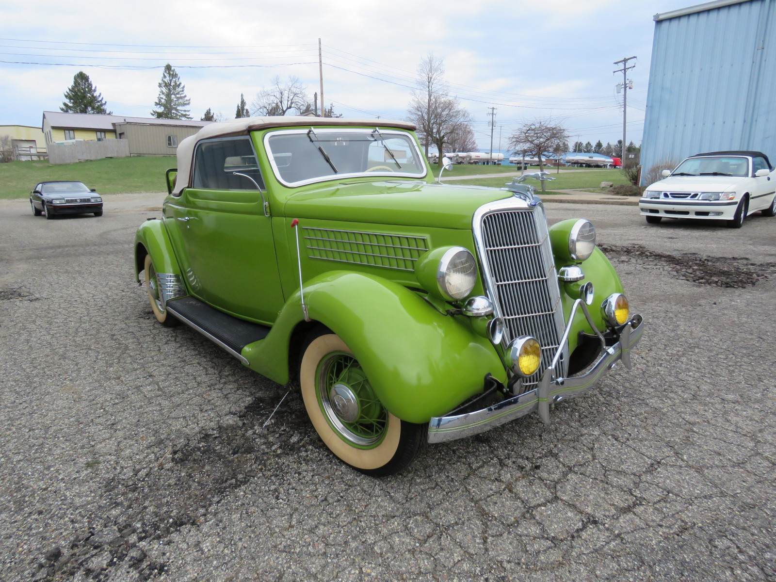 1935 Ford Cabriolet - Image 17