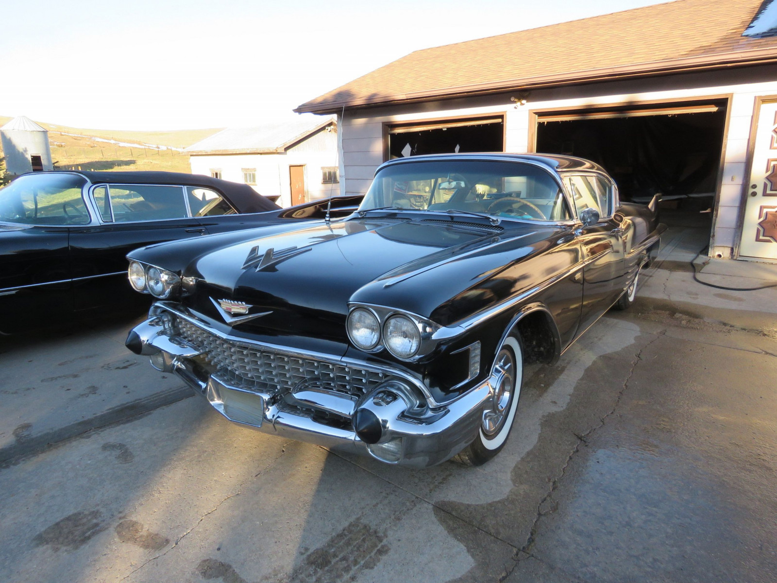 1958 Cadillac Coupe DeVille - Image 3