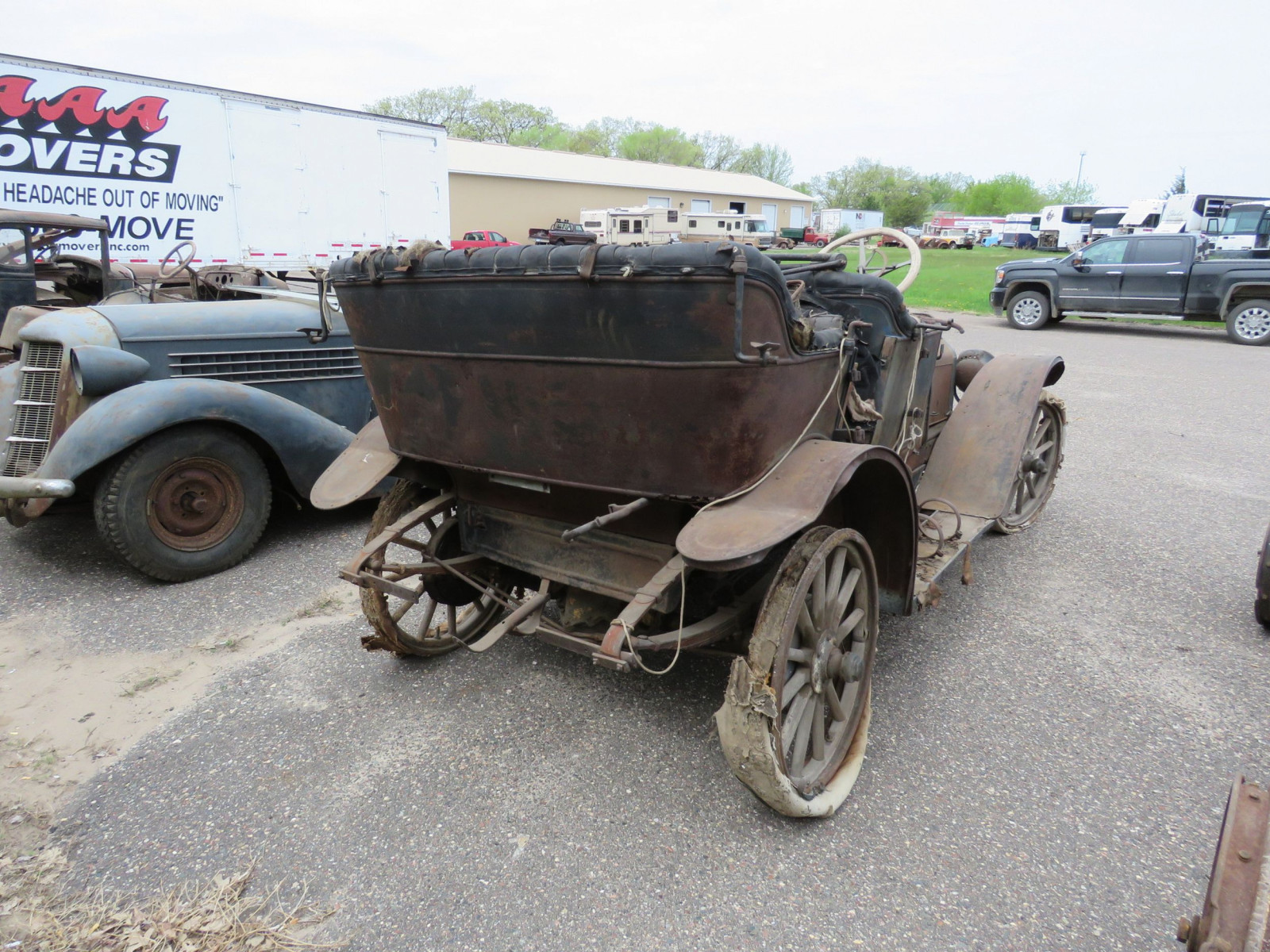 Overland Roadster for Project or Parts - Image 5