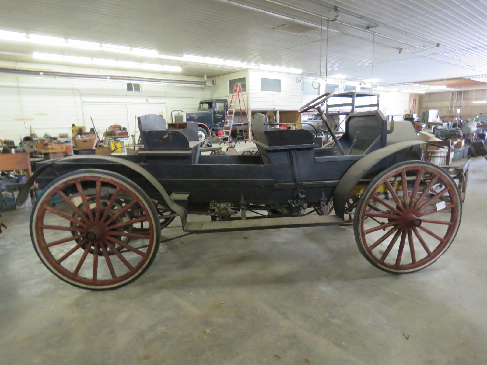 1908 International Model A Runabout - Image 4