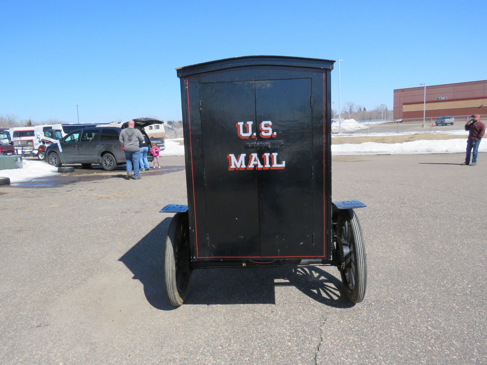 Brush Mail Truck - Image 9
