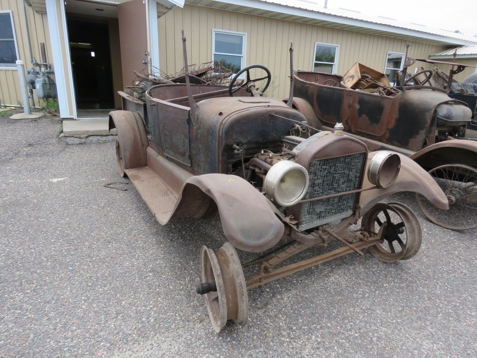 1911 Ford Model T Roadster Pickup for Project or Parts - Image 1