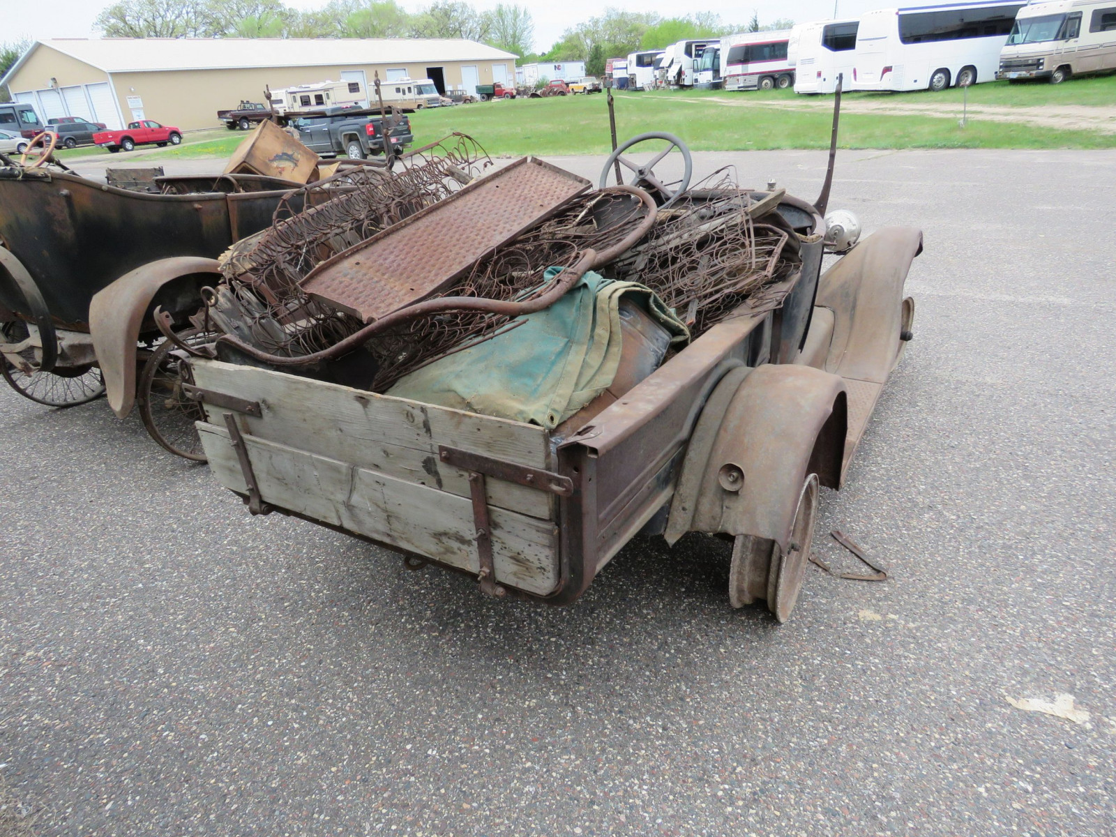 1911 Ford Model T Roadster Pickup for Project or Parts - Image 6