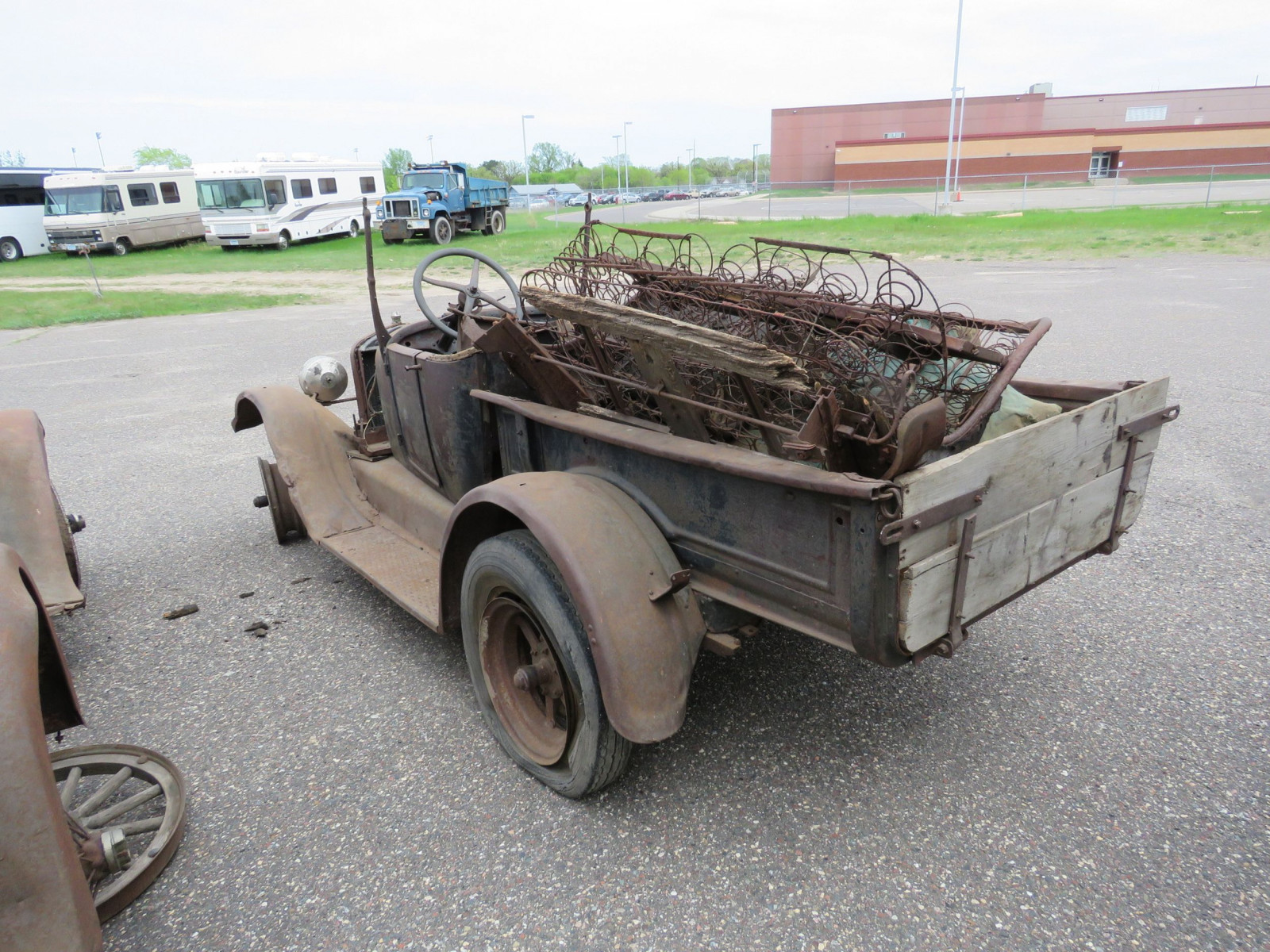 1911 Ford Model T Roadster Pickup for Project or Parts - Image 7