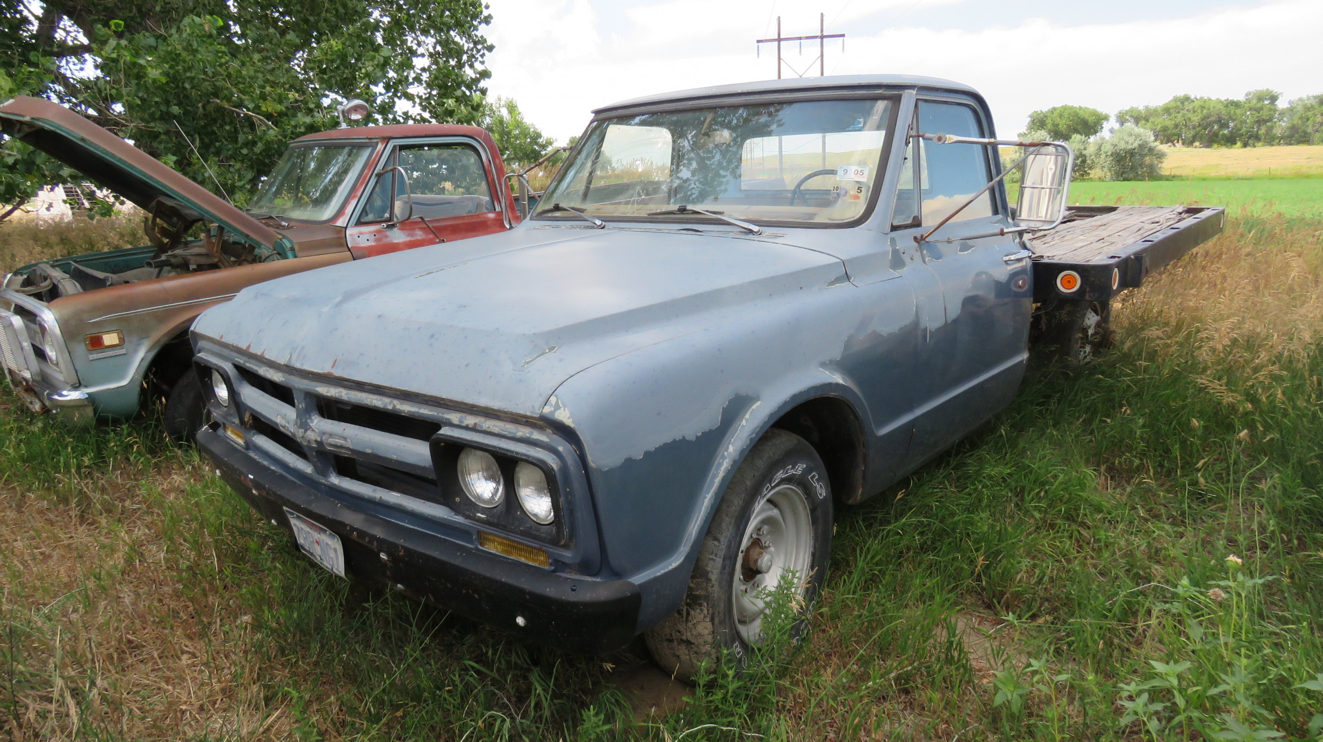 1968 GMC flatbed pickup - Image 1