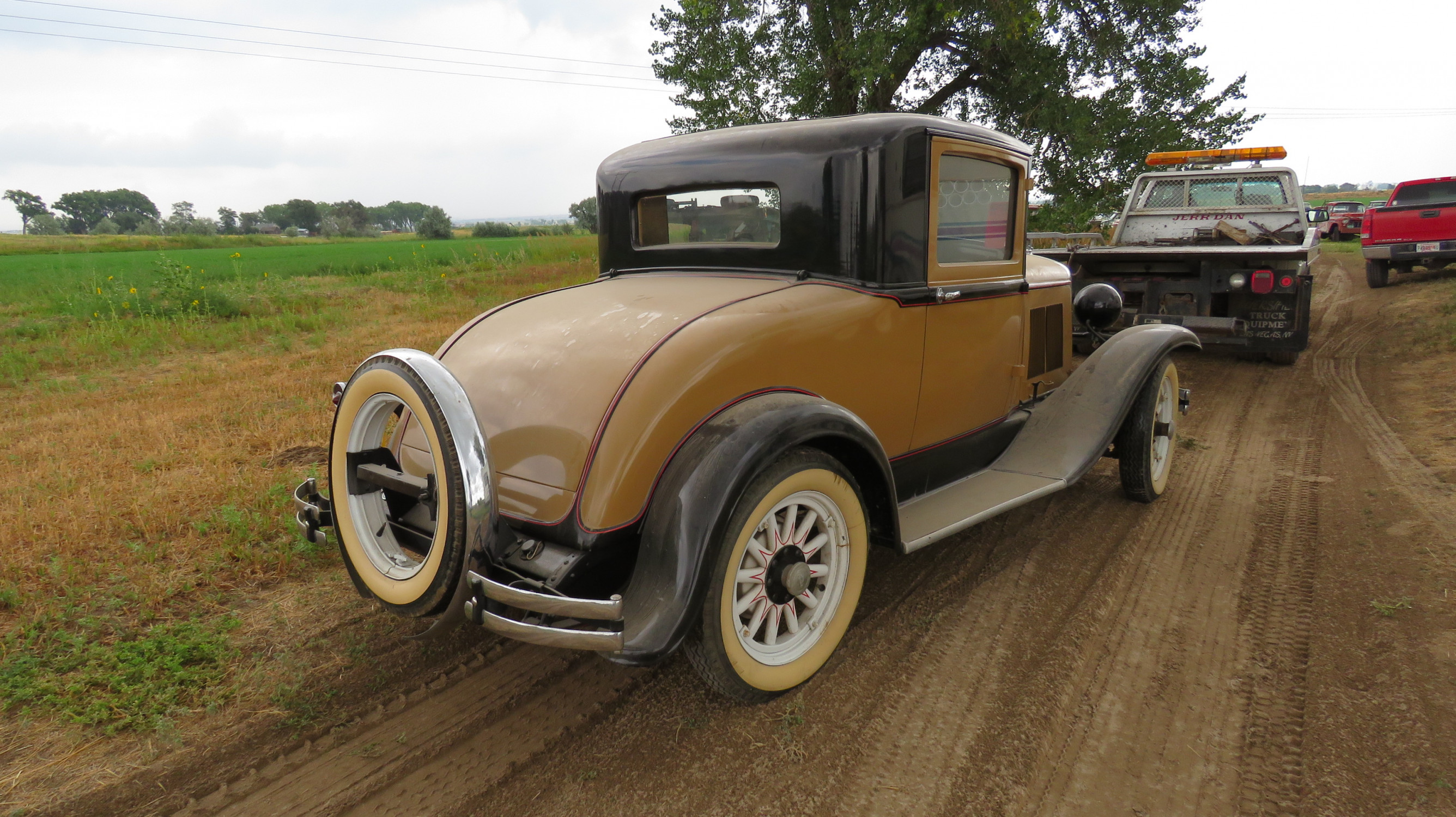 1930 PLYMOUTH COUPE - Image 3