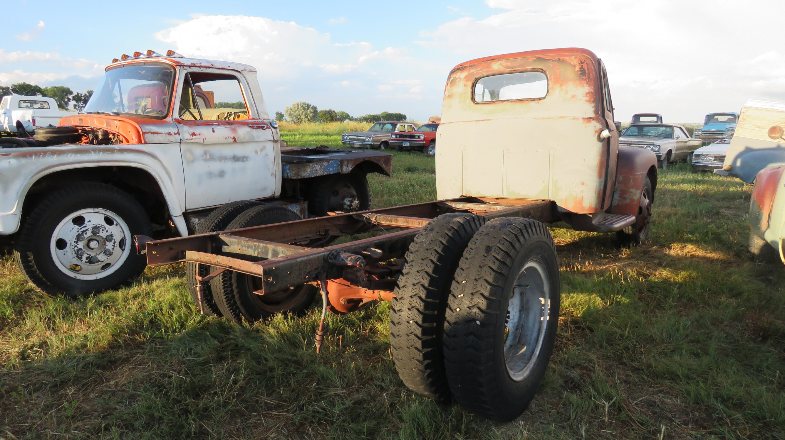 1948 FORD TRUCK - Image 3